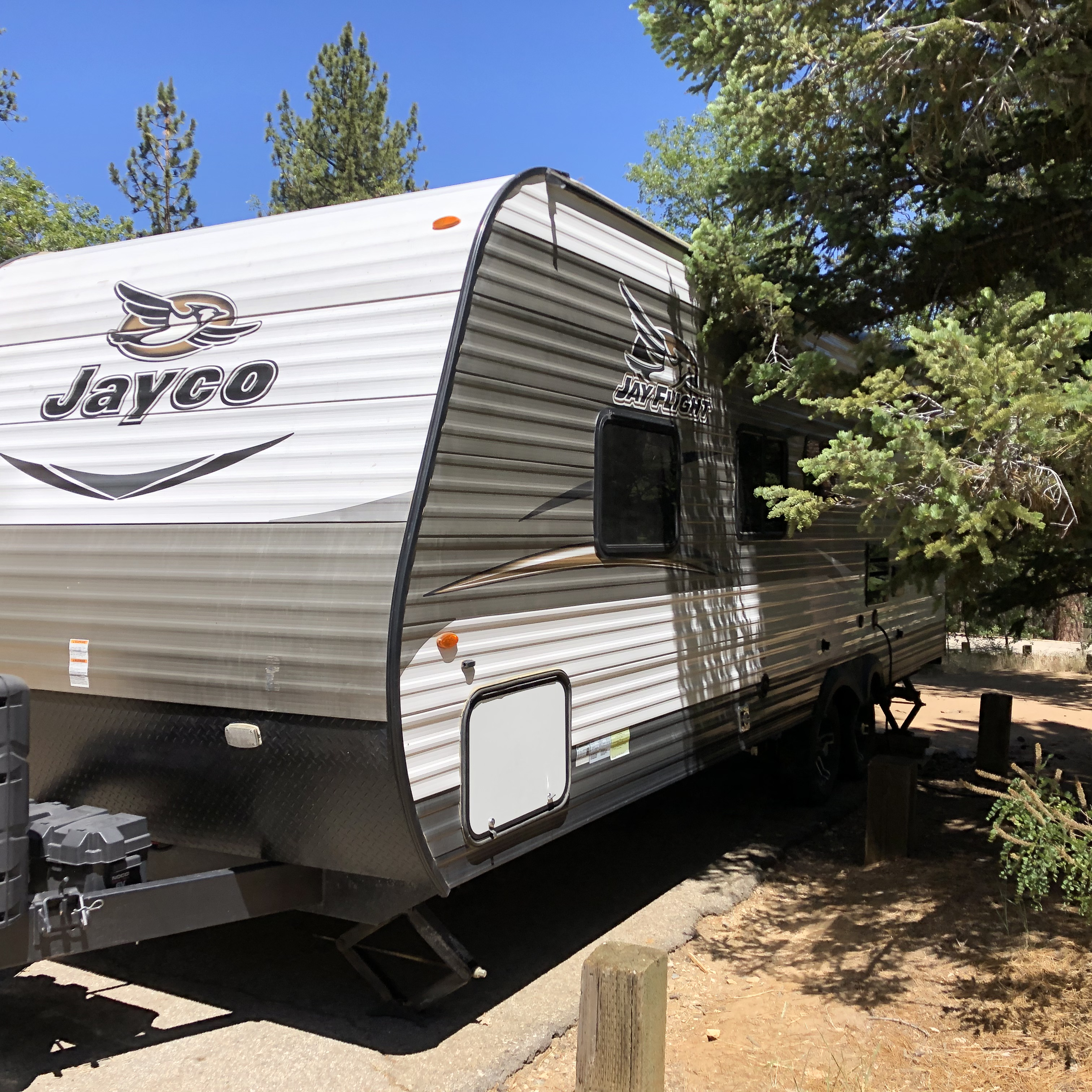 Enjoy the three side hatches, plenty of sliding windows, and it's all fully weather sealed for those colder adventures!. Jayco Flight 2017