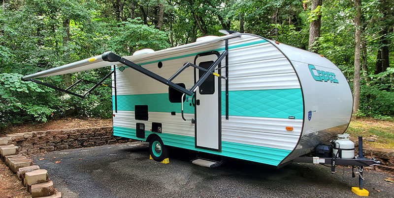 Outside with Awning Out. Gulf Stream Capri 2020