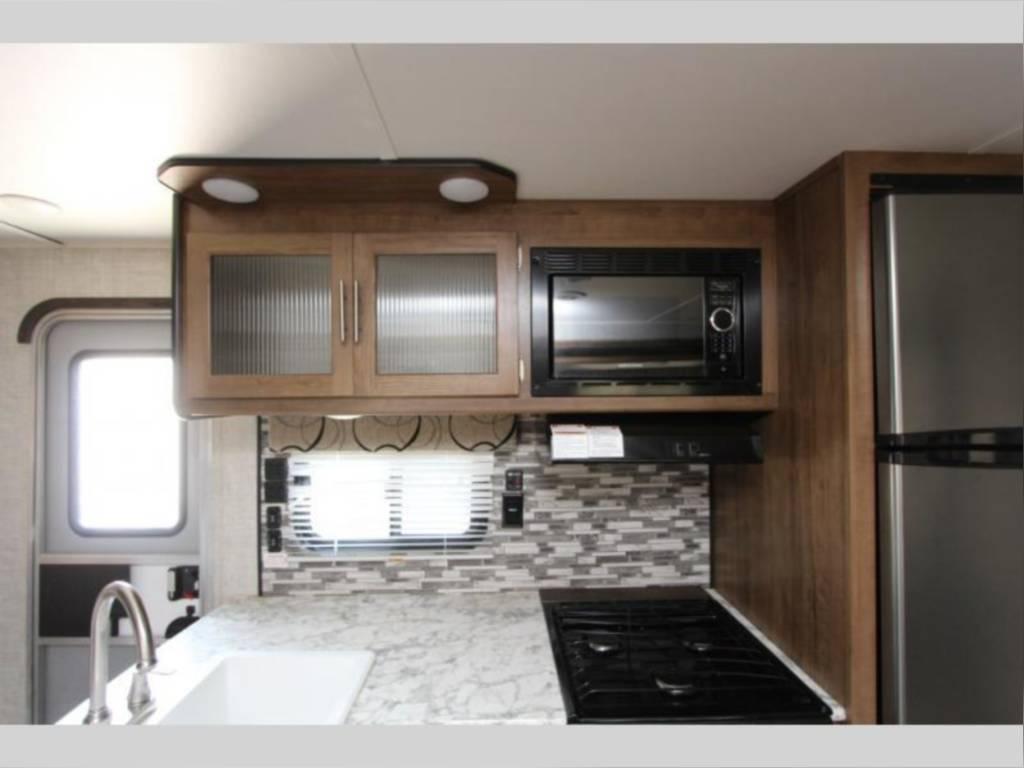 Kitchen.. Gulf Stream Amerilite 2020