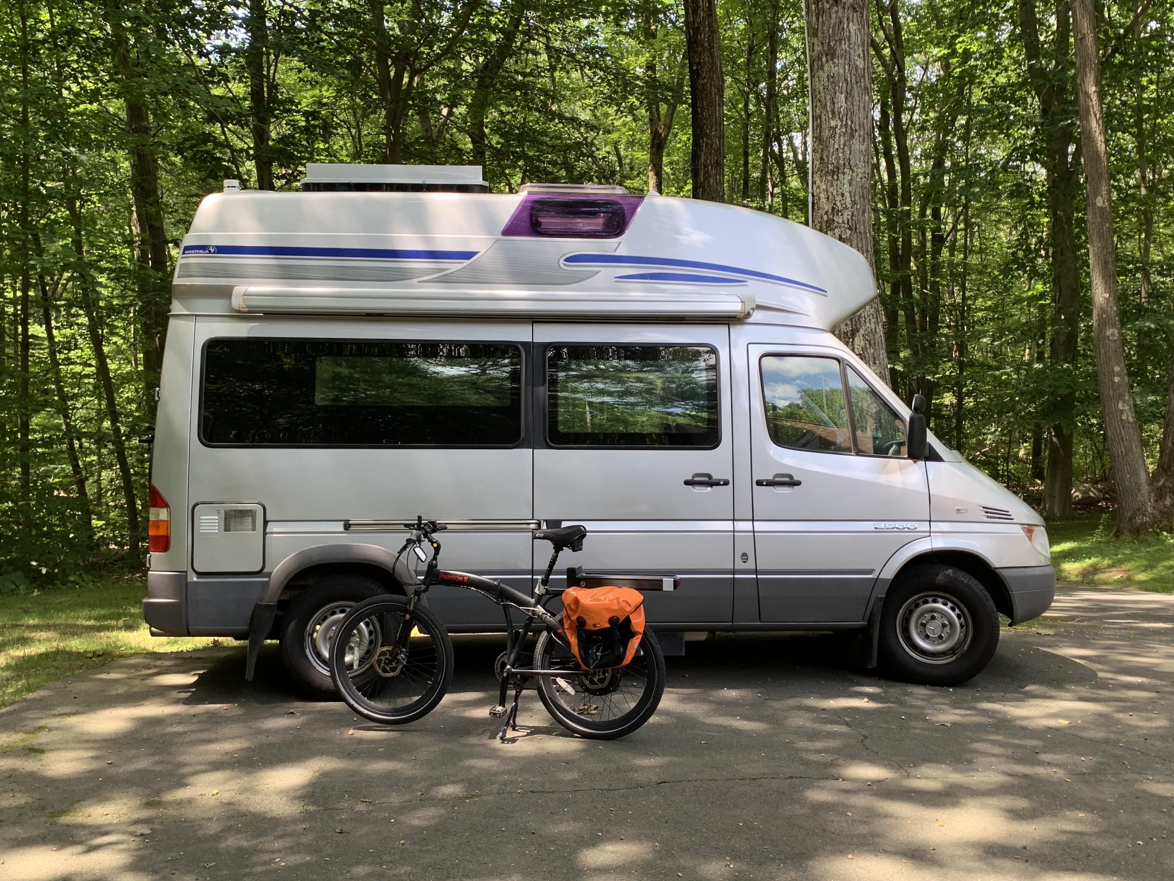 Condo on wheels. Airstream Westfalia 2005