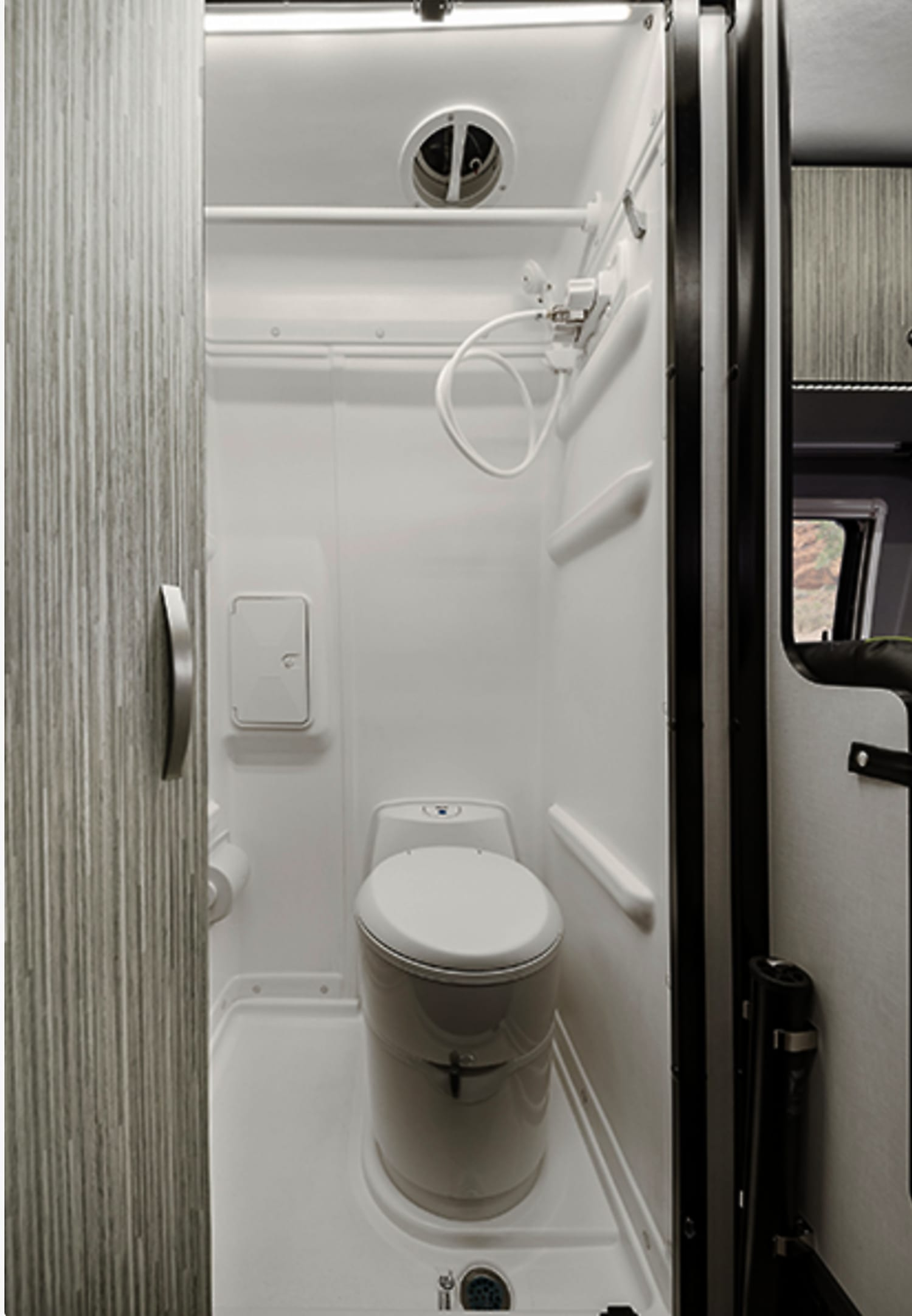 The wet bath has a flushing water cassette toilet and hand-held shower head wand. Wet bath can be used as storage/closet by adding shelves.. Mercedes SPRINTER 2020