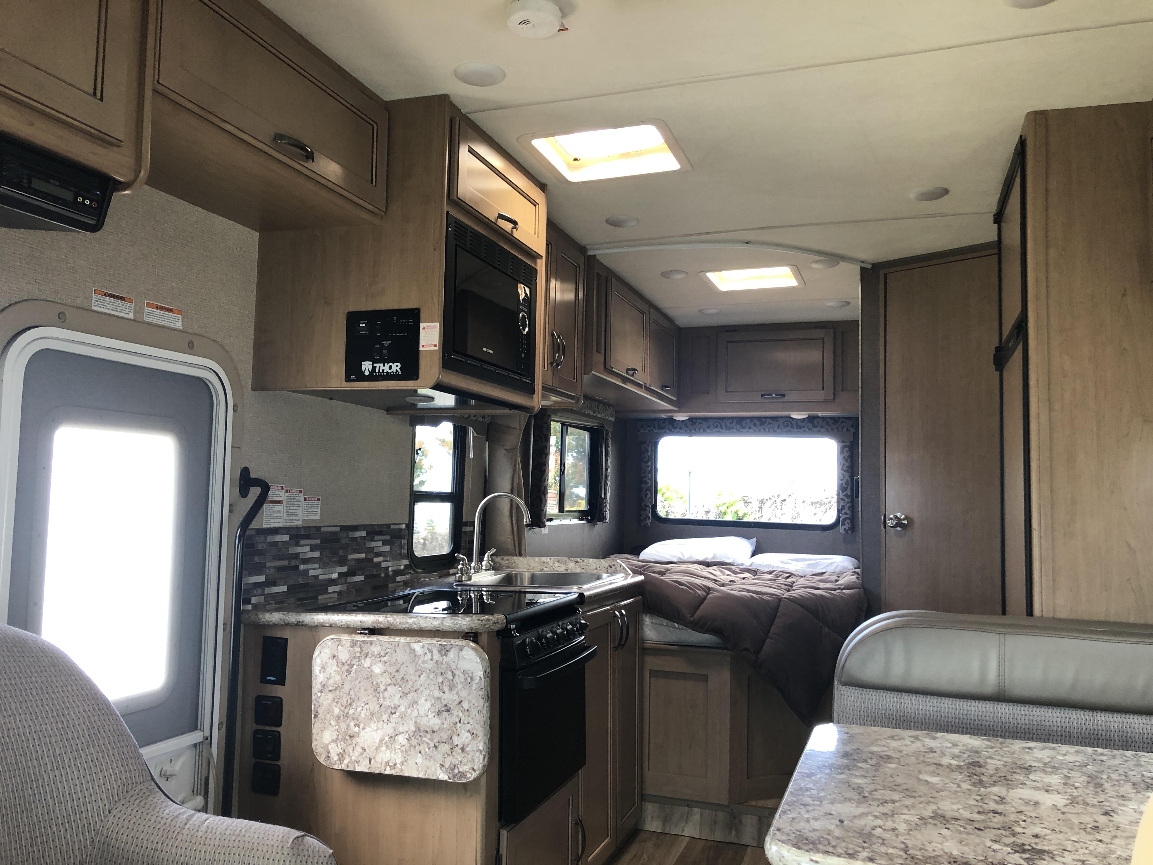 Main Cabin. Thor Motor Coach Four Winds 2019