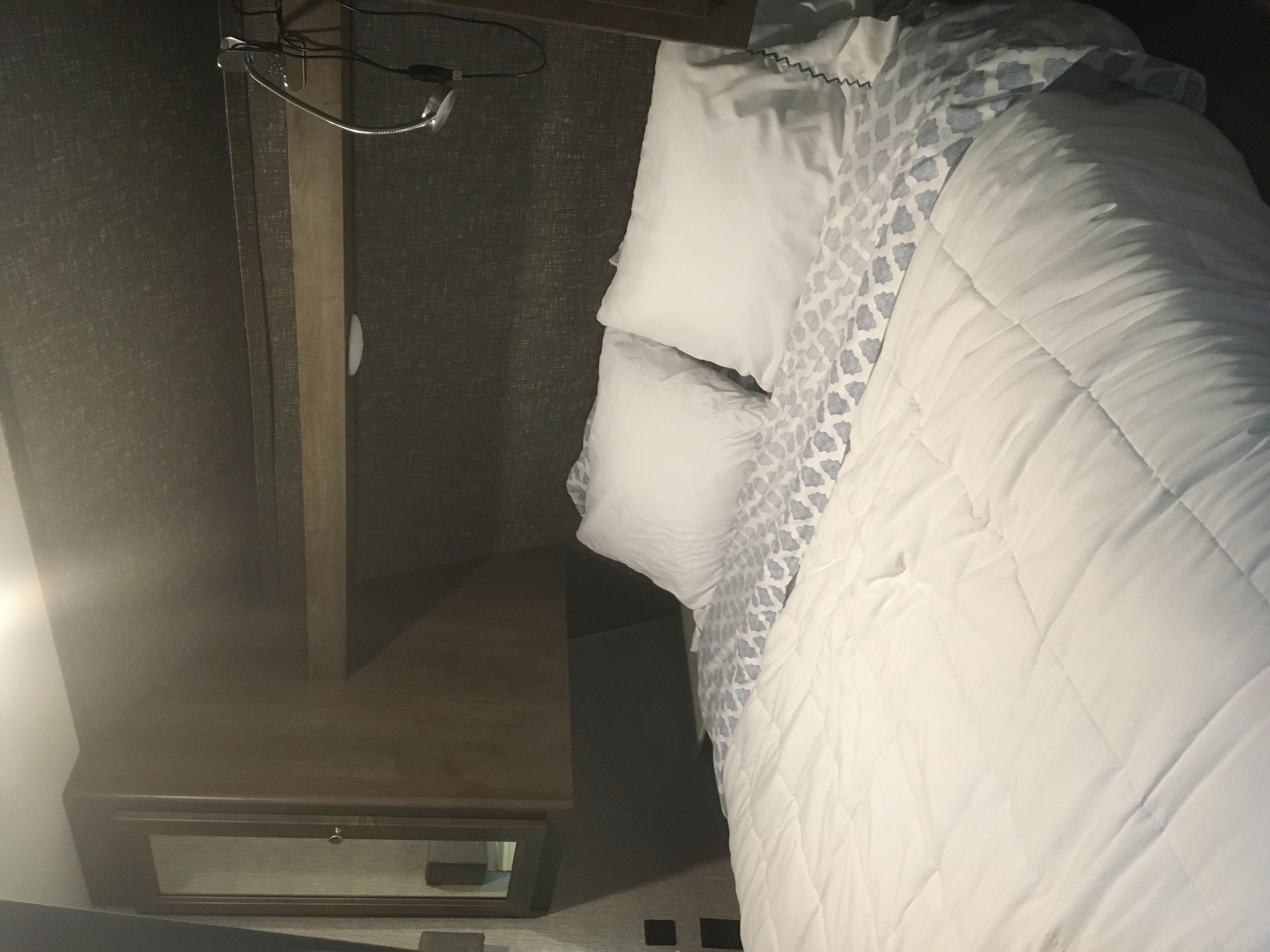 Queen bed. Dutchmen Coleman 2019