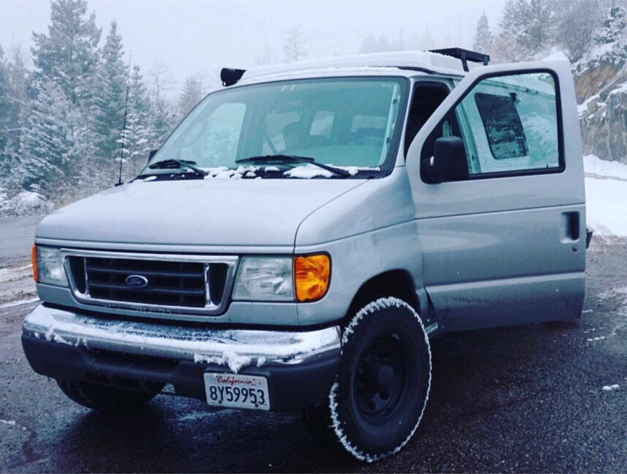 Greta looking cool in the snow.. Sportsmobile E250 Hd Regular Length 2006