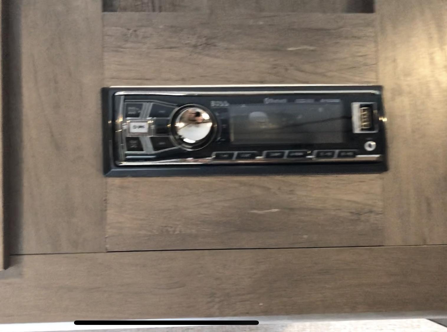 Radio/ Bluetooth speaker system. Coleman Other 2021