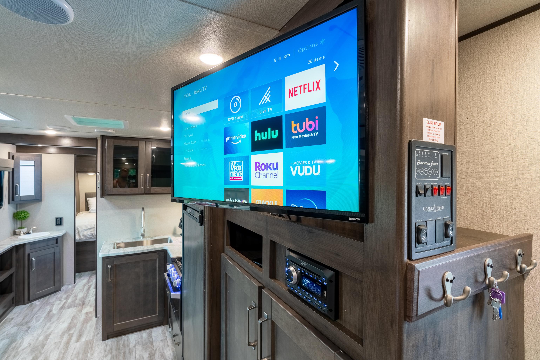 Roku TV. Grand Design Transcend 2021