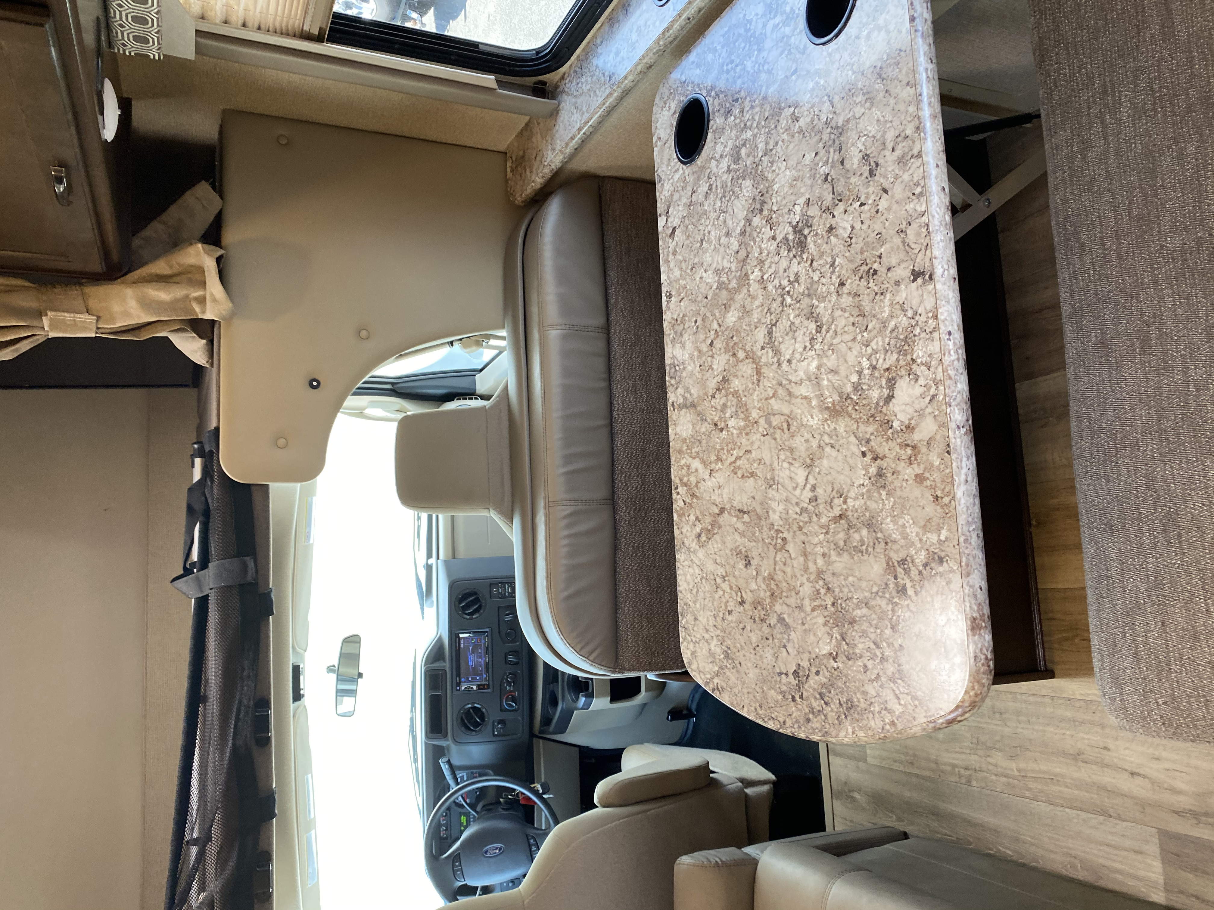 dinette that converts to bed. Ford Thor Four Winds30D V 2019