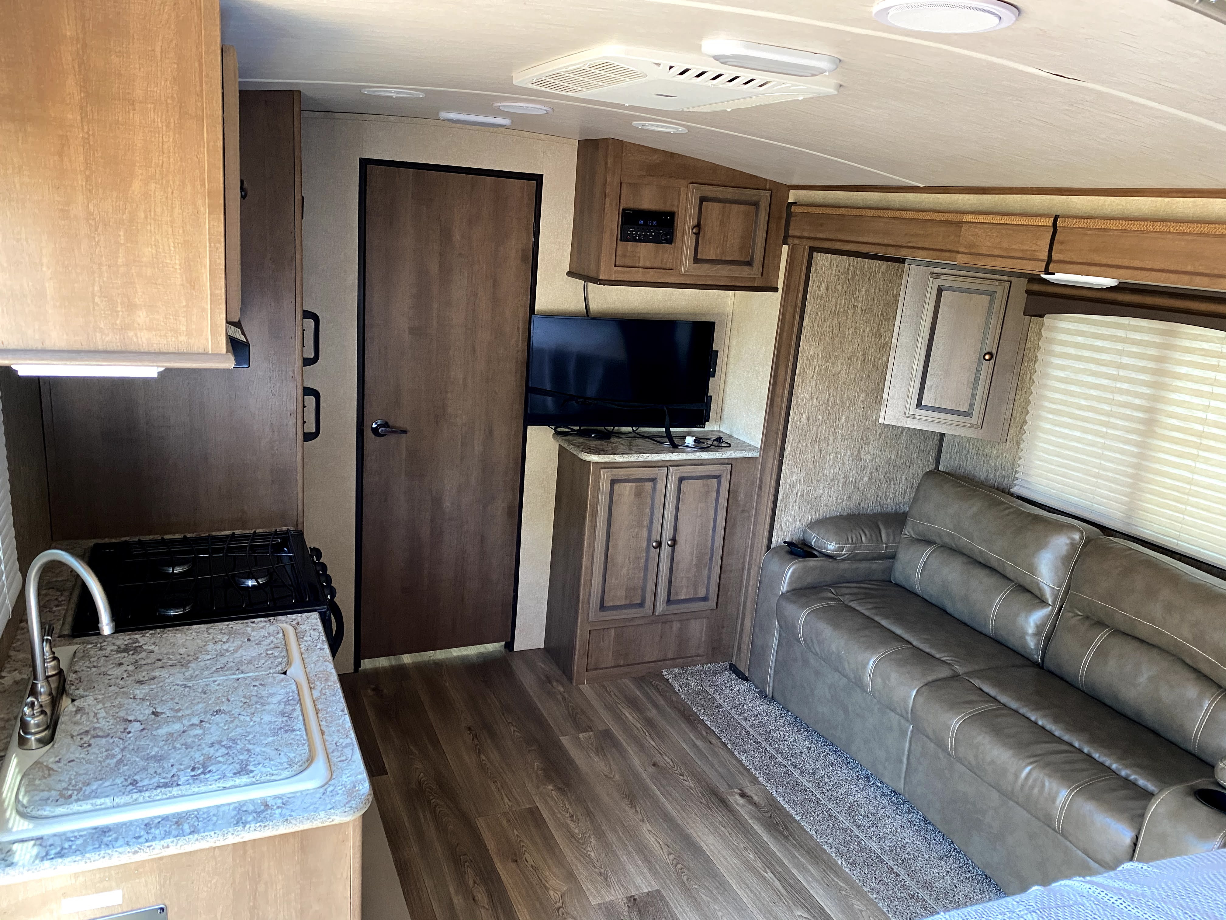 Living Room Style. Cruiser Rv Corp Shadow Cruiser 2016