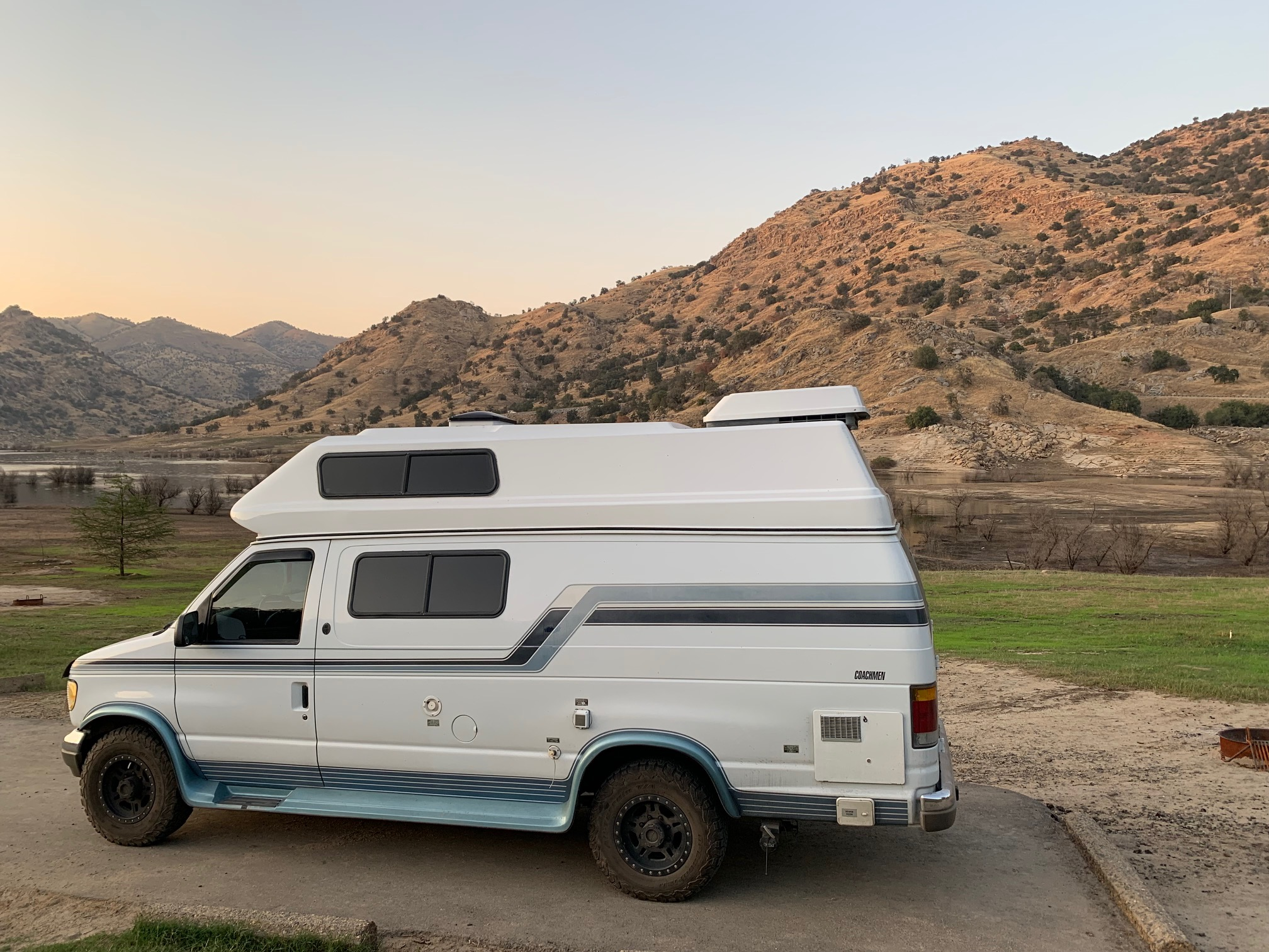 Ford Coachman 1993