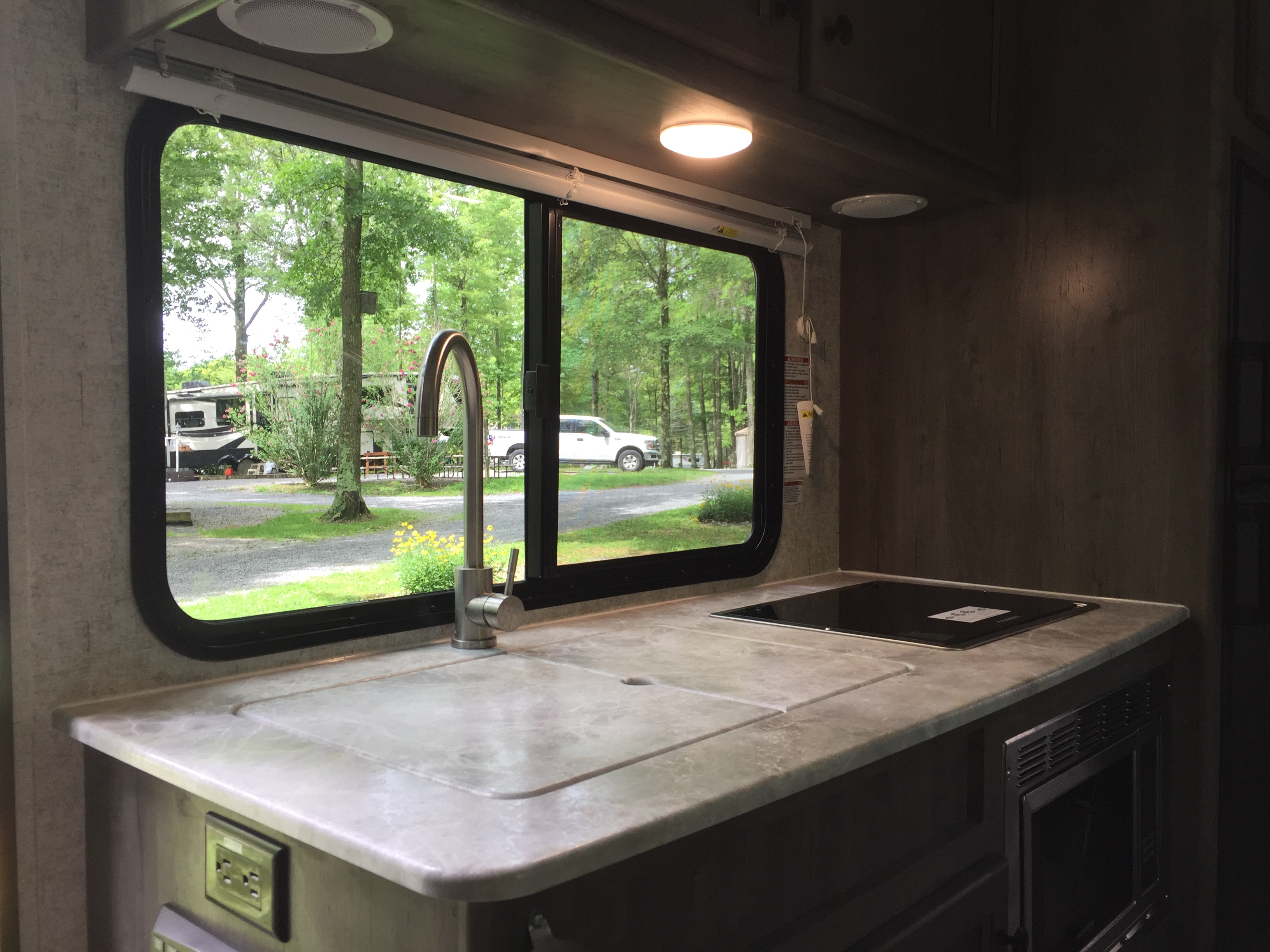 Coachmen Apex 2021