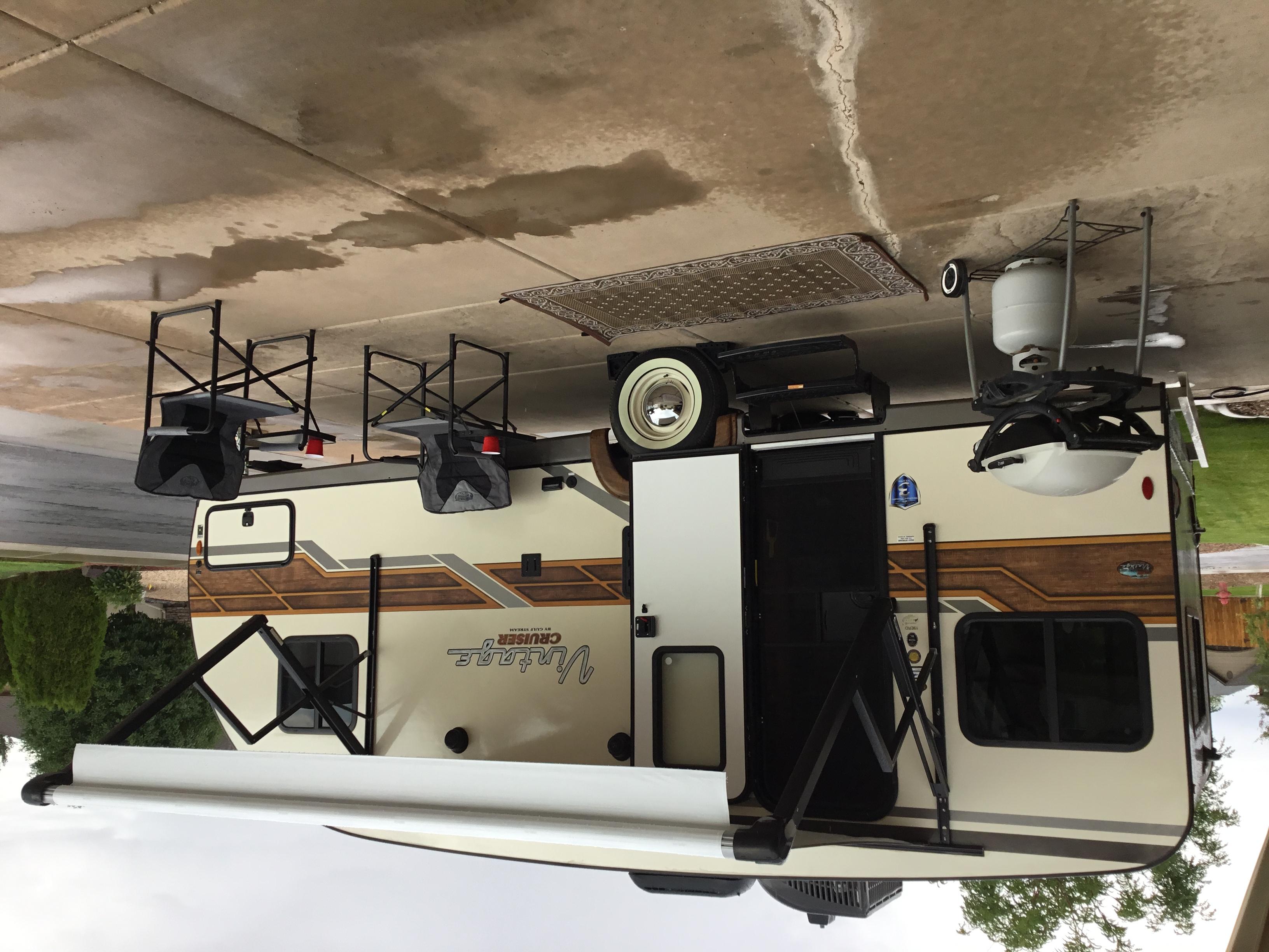 Meet Vinnie. Gulf Stream Vintage Cruiser 2020
