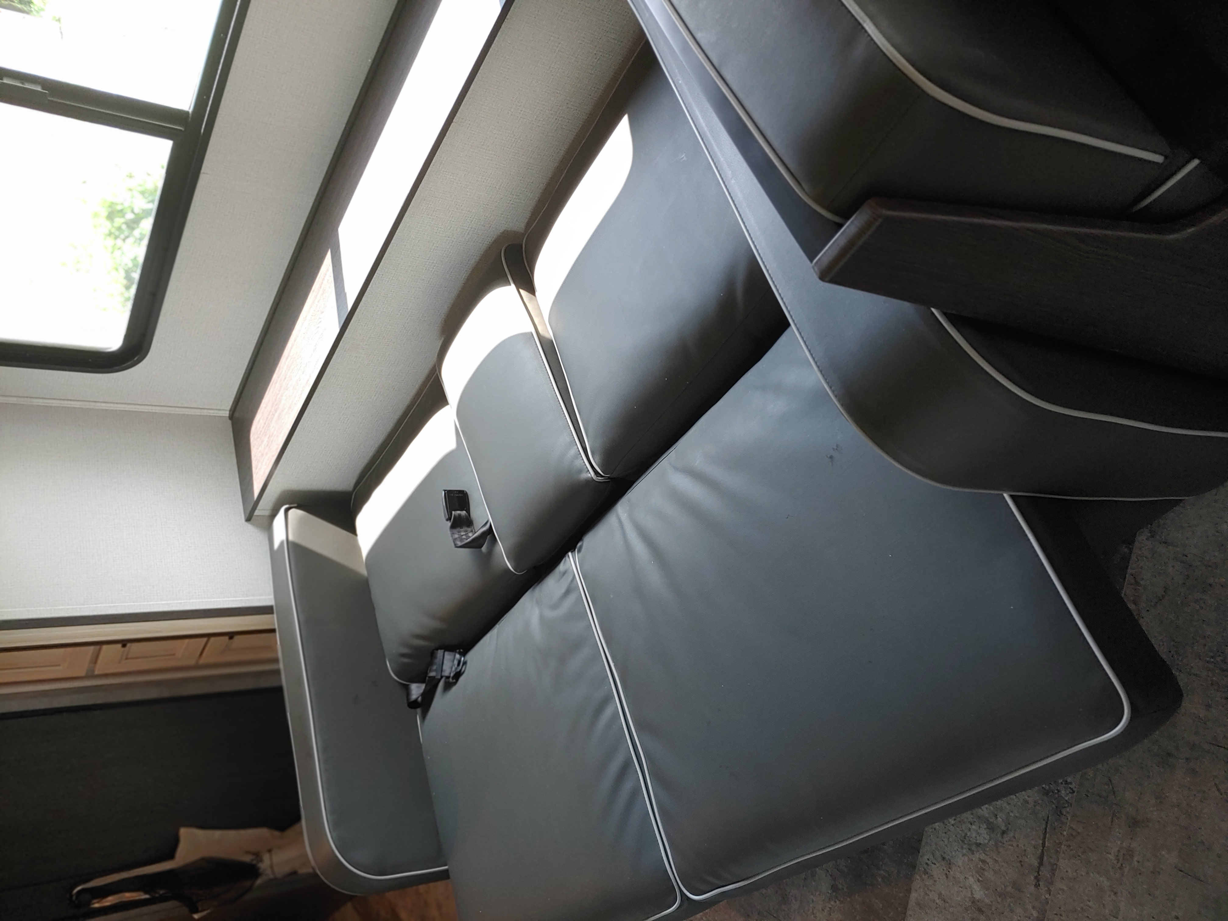 Sofa folded out into bed. Forest River Sunseeker 2550DSLE 2020