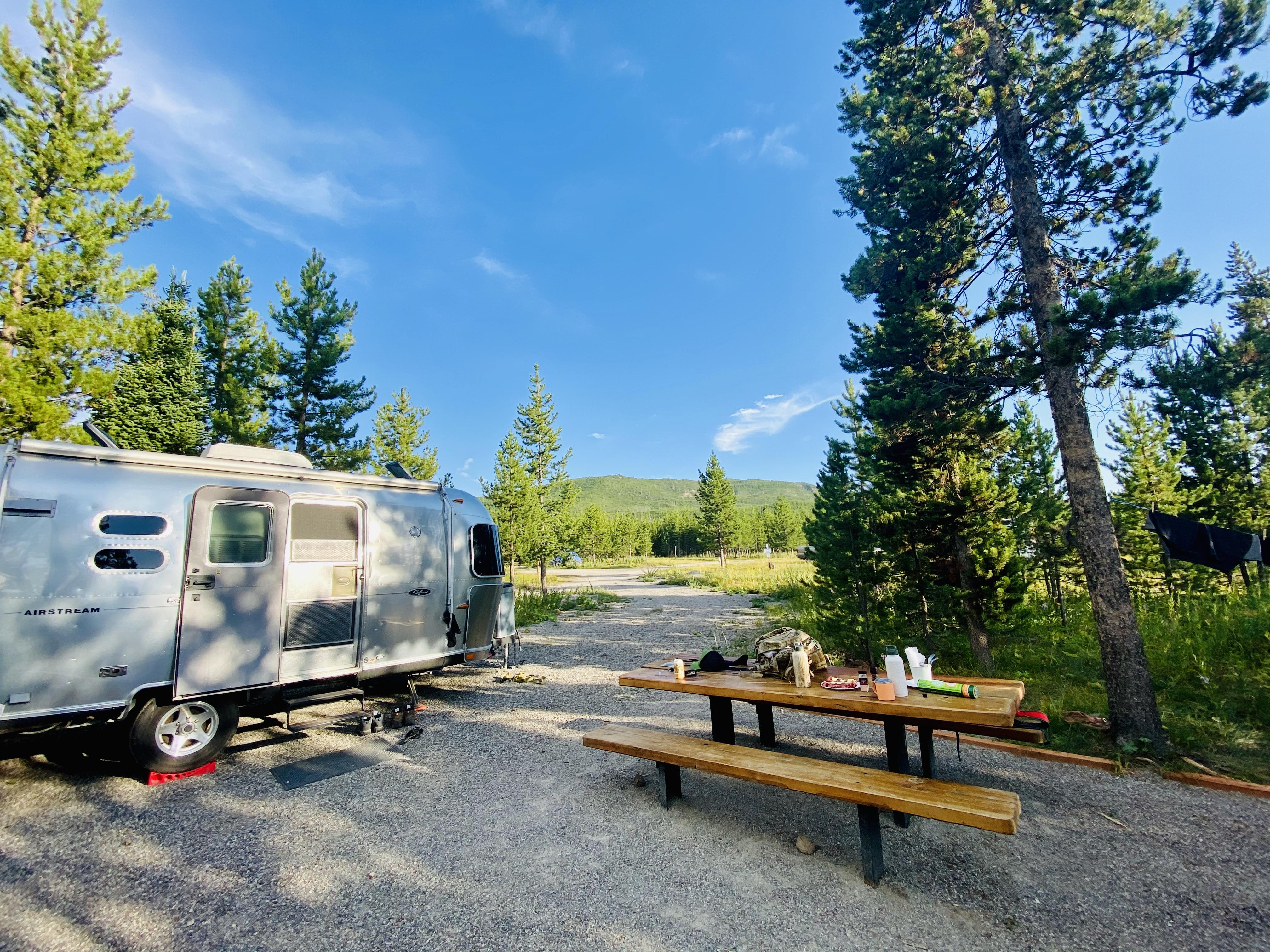Everything you need to set up camp!. Airstream Safari 2008