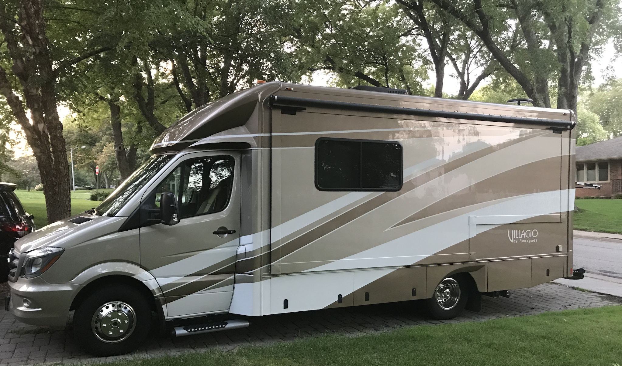You will be looking good in your custom made Mercedes sprinter van. Renegade Villagio 2018