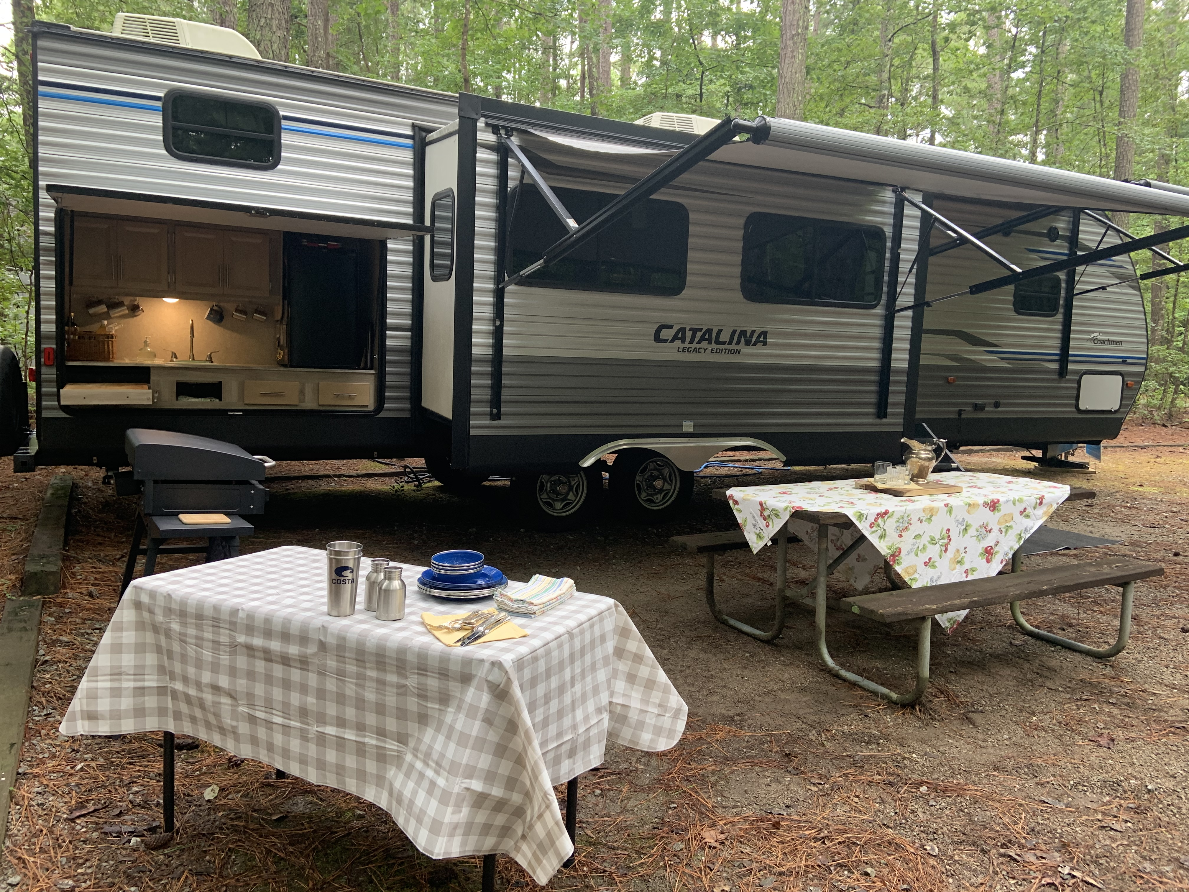 Plenty of room outside so there's no need to skimp on the finer things in life.. Coachmen Catalina 2019