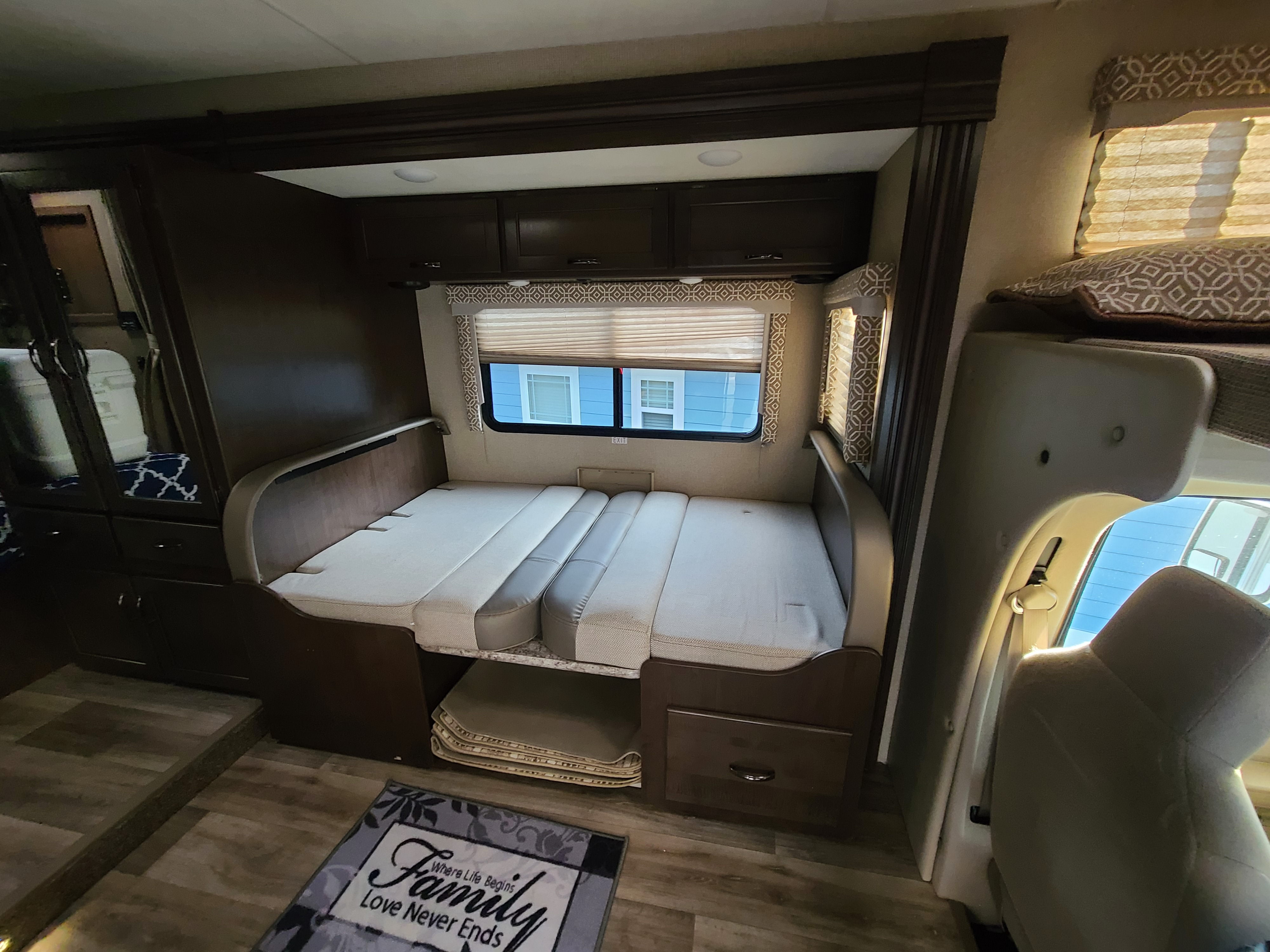 Double Bed Converts to dining booth. Thor Motor Coach Freedom Elite 2019