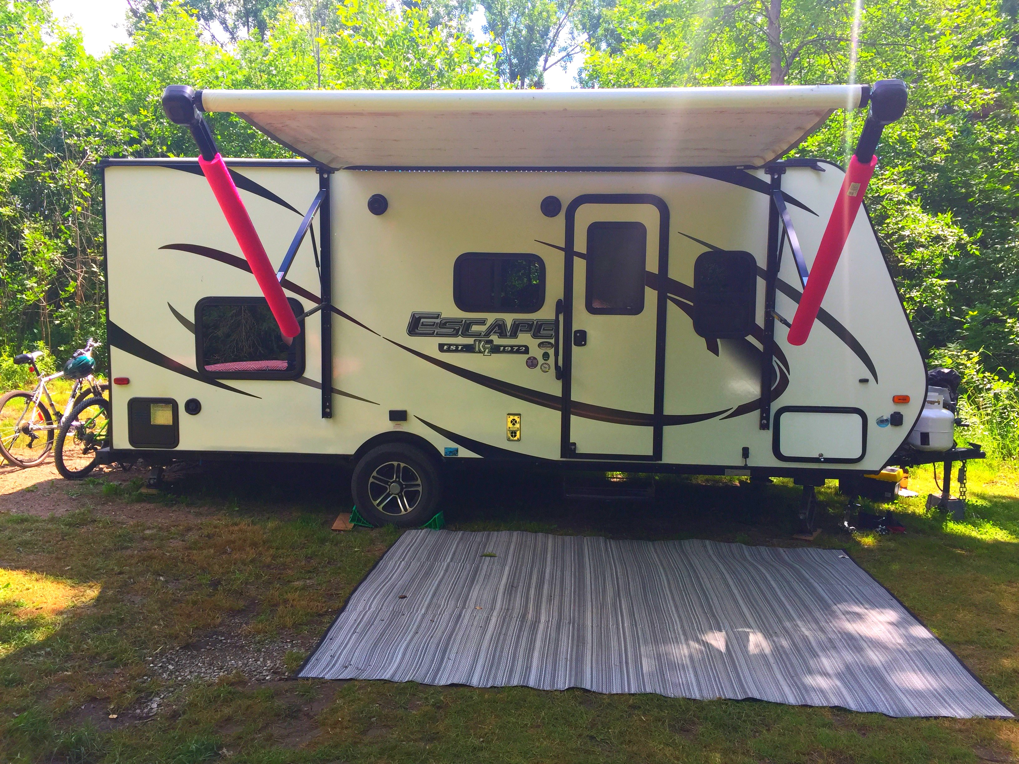 Power awning, single axle. K-Z Manufacturing Escape 2017