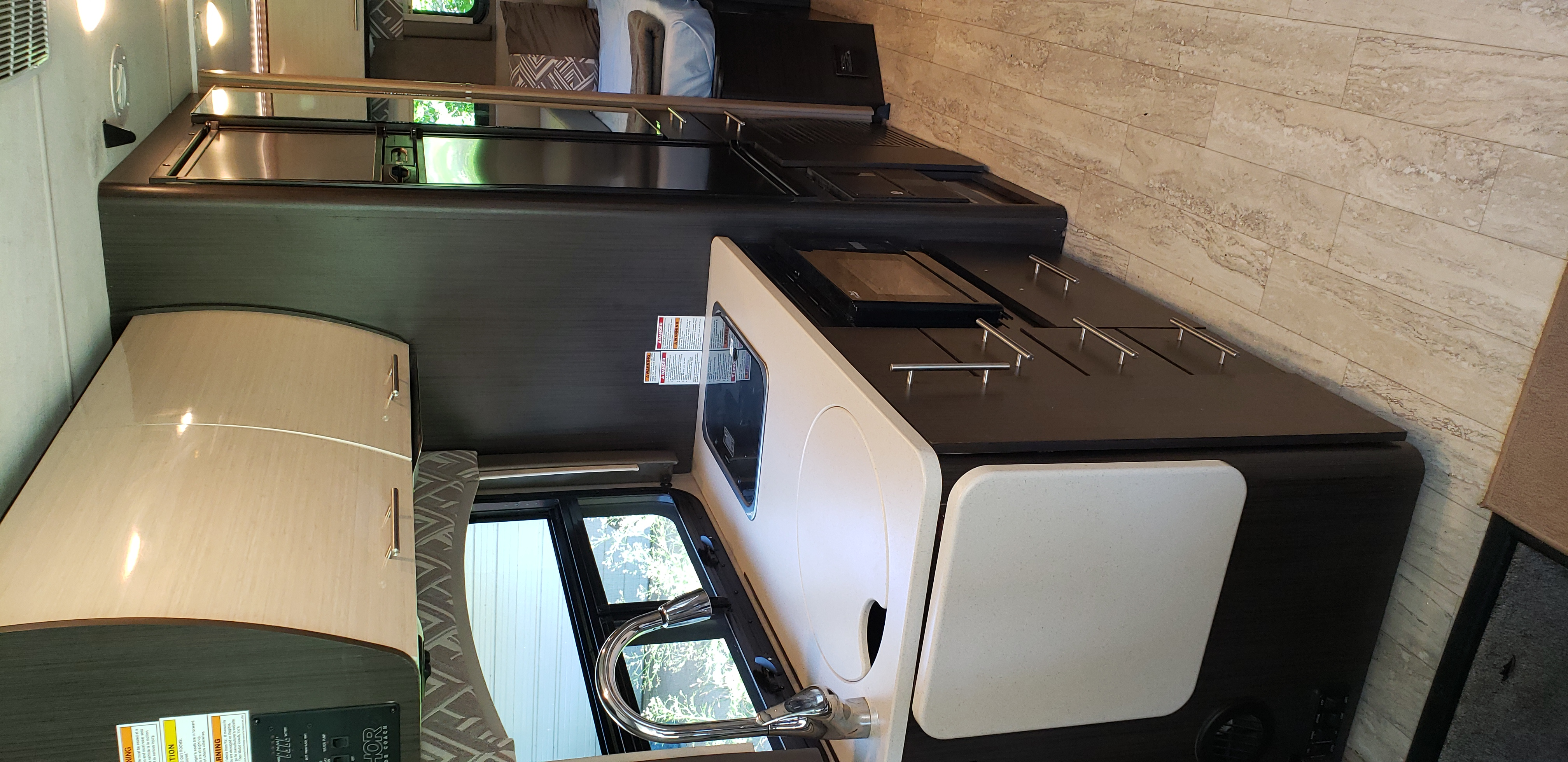 Kitchen. Thor Motor Coach Axis 2018