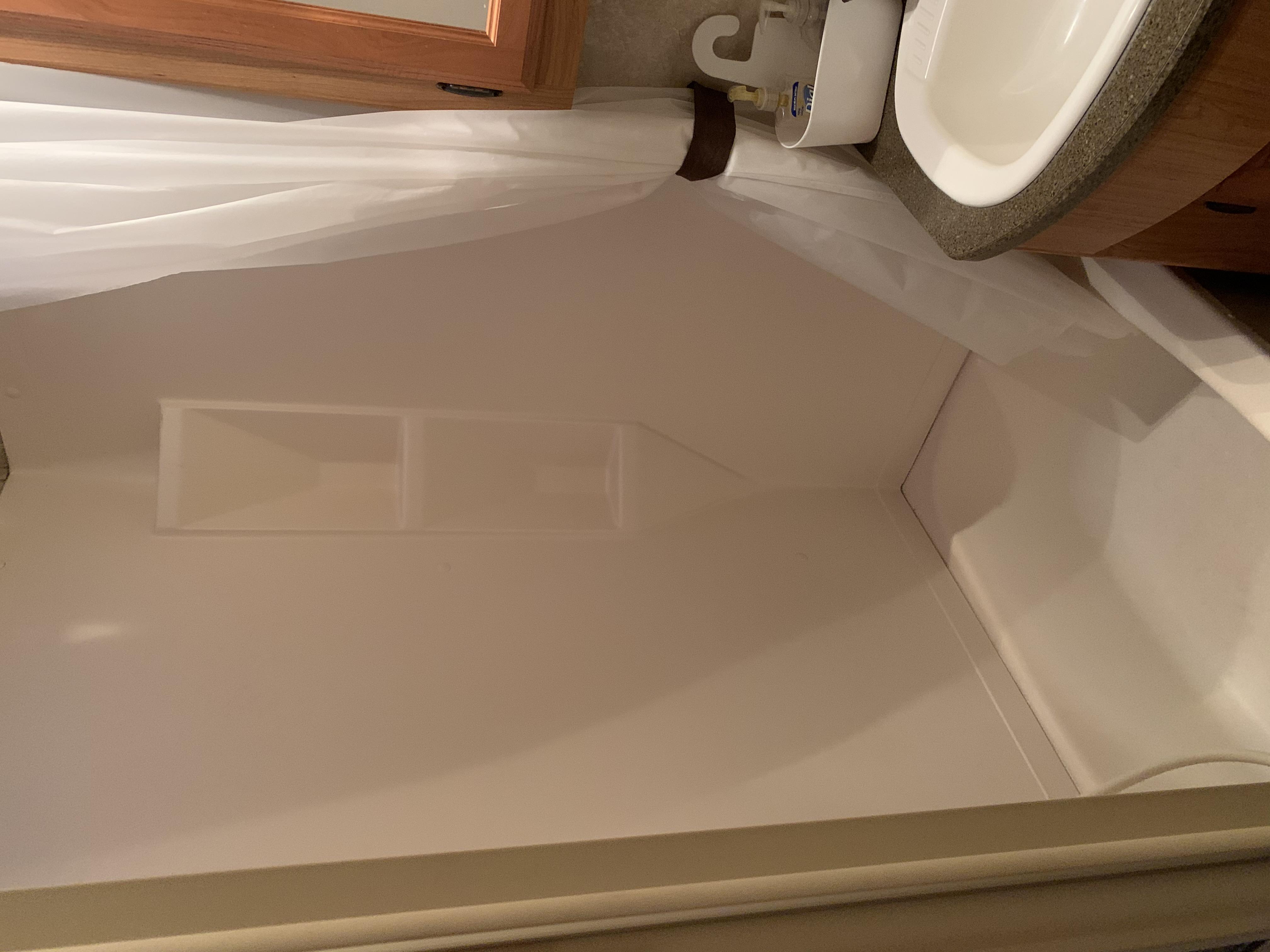 Bathroom Shower. Keystone Laredo 2011