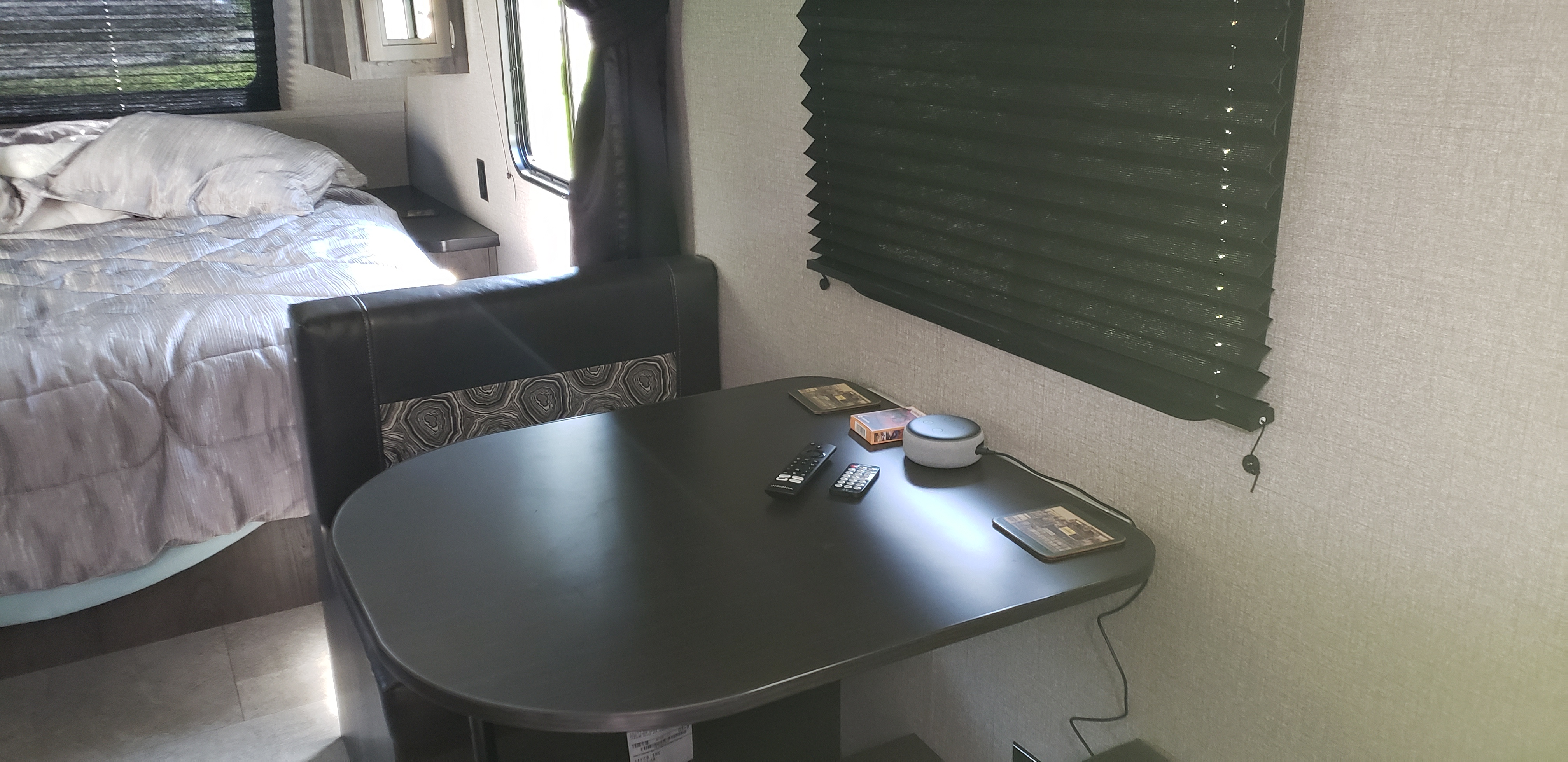 Dinette Area (Converts to Bed). Jayco Jay Flight 2020