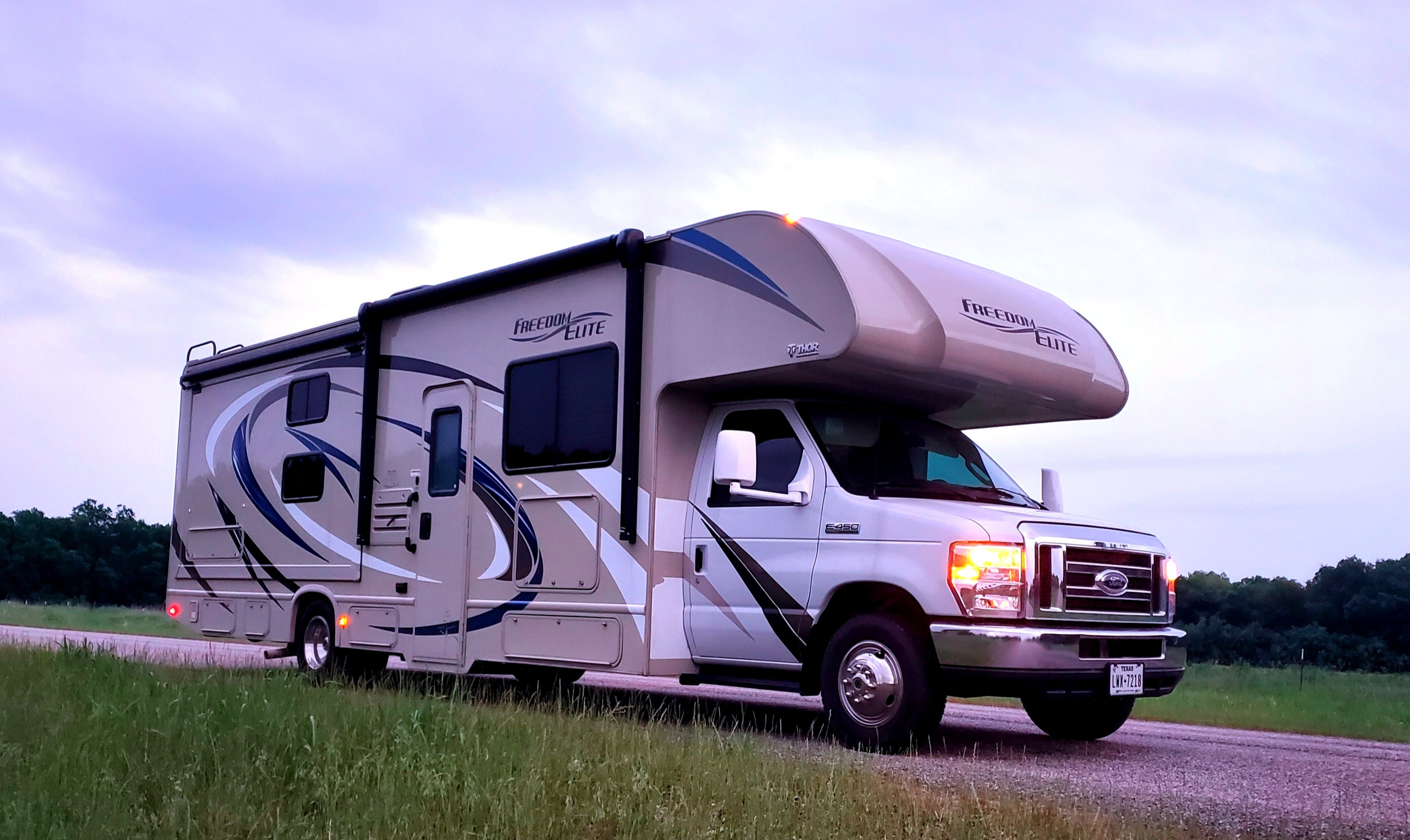 Road trip fun. Thor Motor Coach Freedom Elite 2019