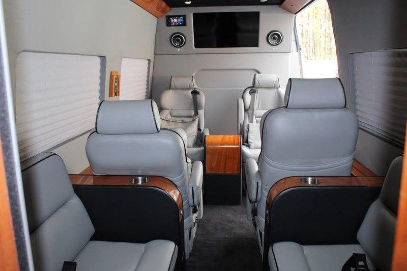 Mercedes-Benz Custom Coach 2014