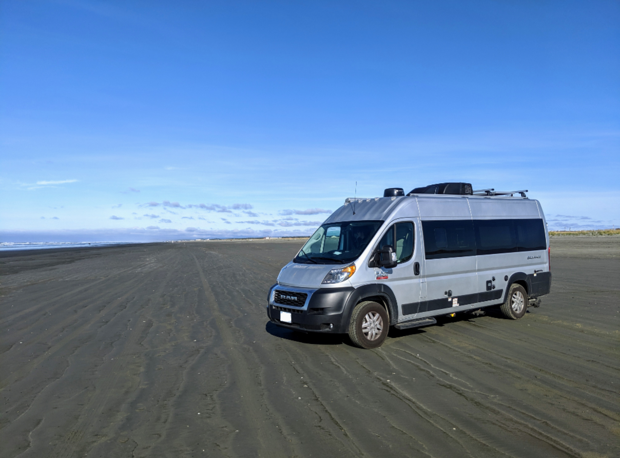 Oregon Beach. Thor Motor Coach Sequence 20L 2020