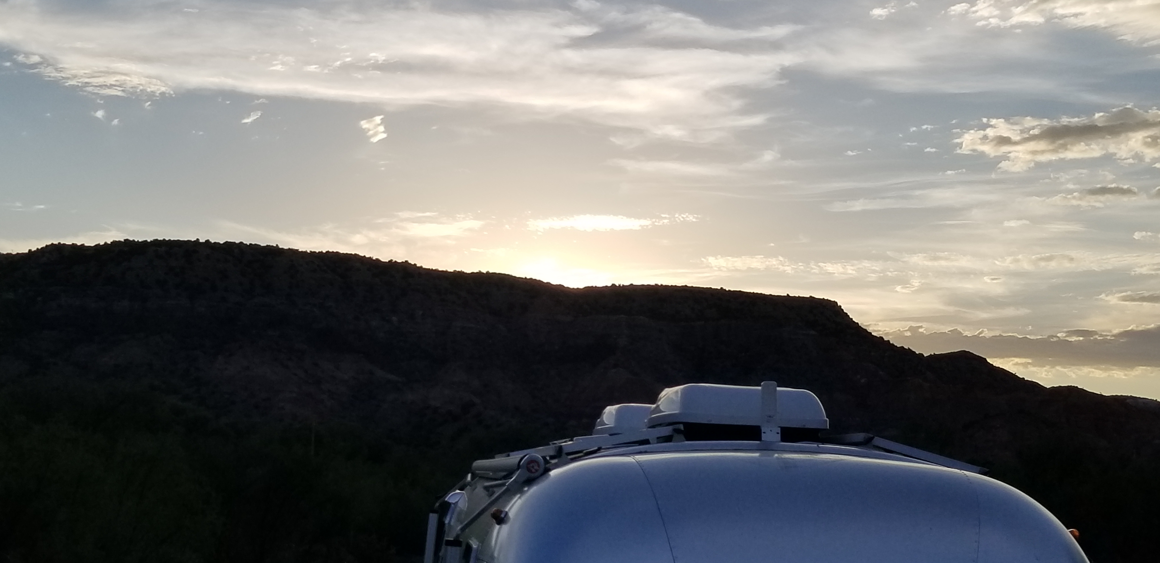 Cooled with 2 13500 btu dometic a/c units. Airstream Globetrotter 2018