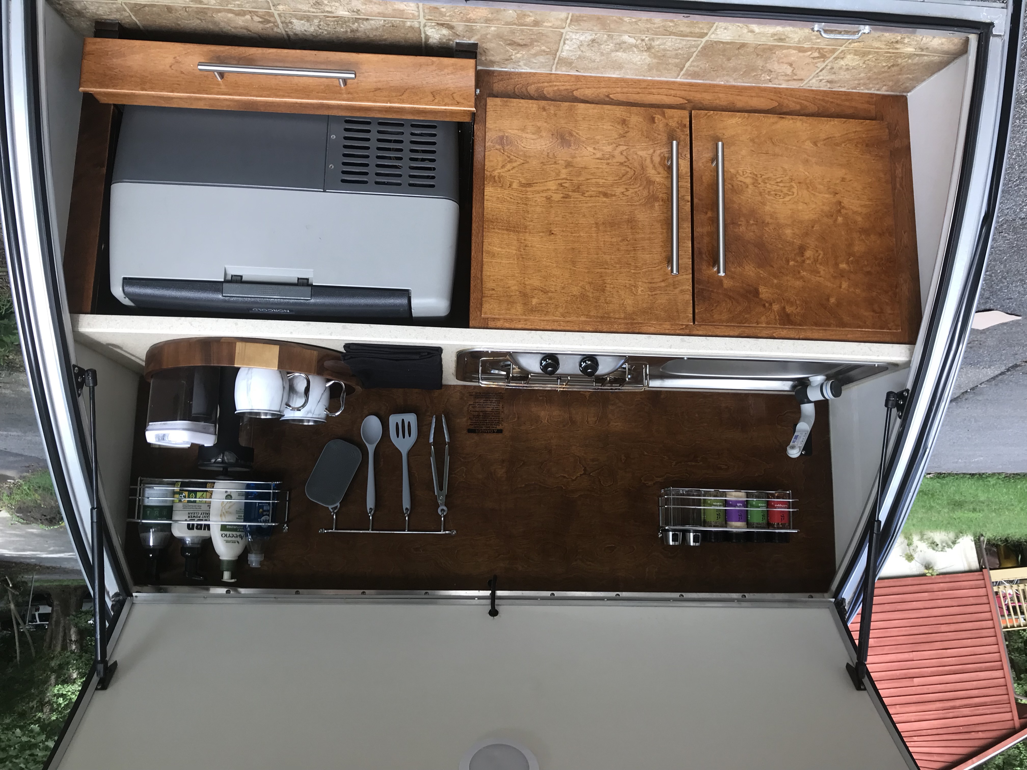 Fully Equip Kitchen. nuCamp Little Guy T@G 2015