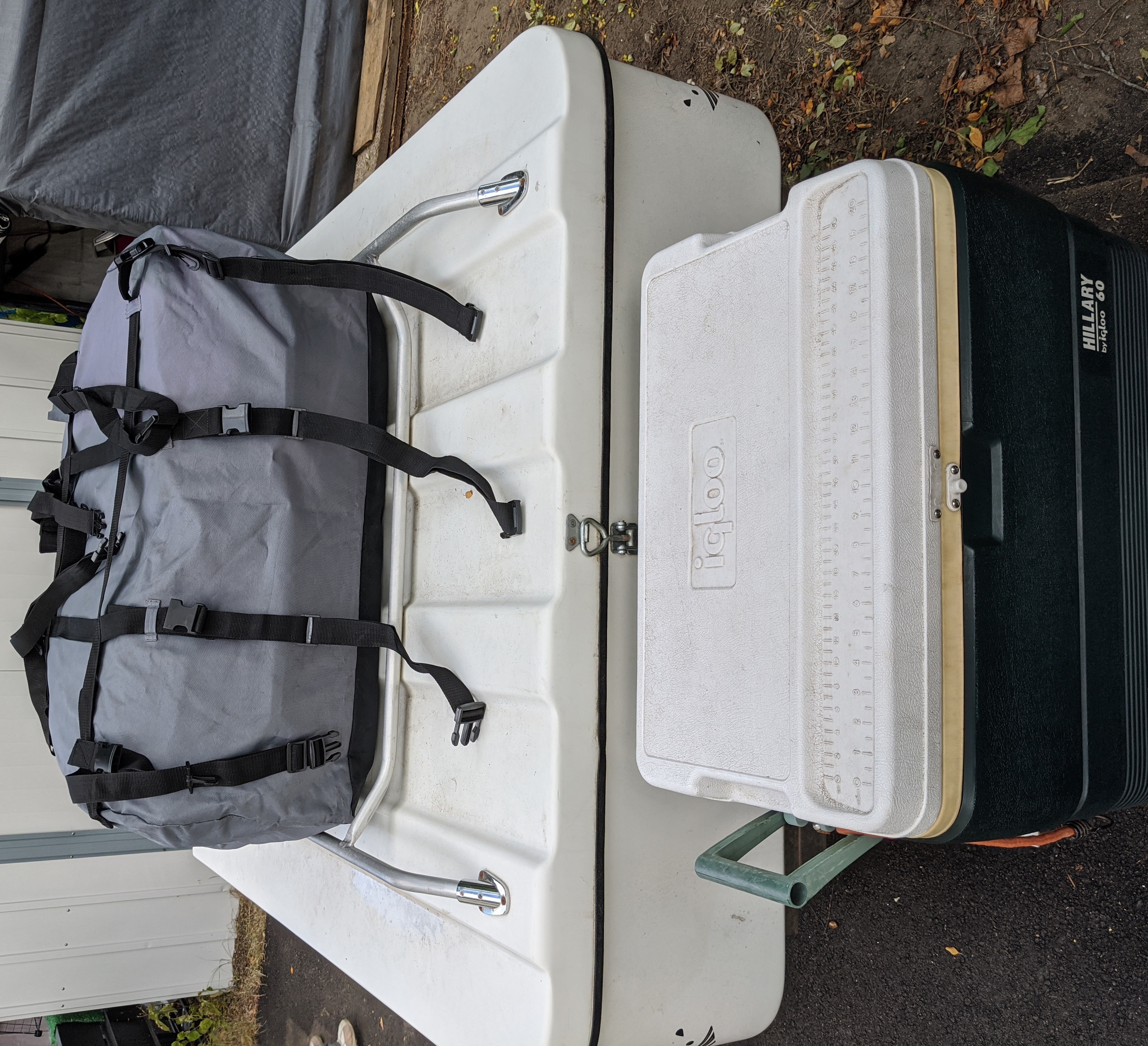 From the font end: cooler with the soft sided carrier. Leesurelite Excel 2001