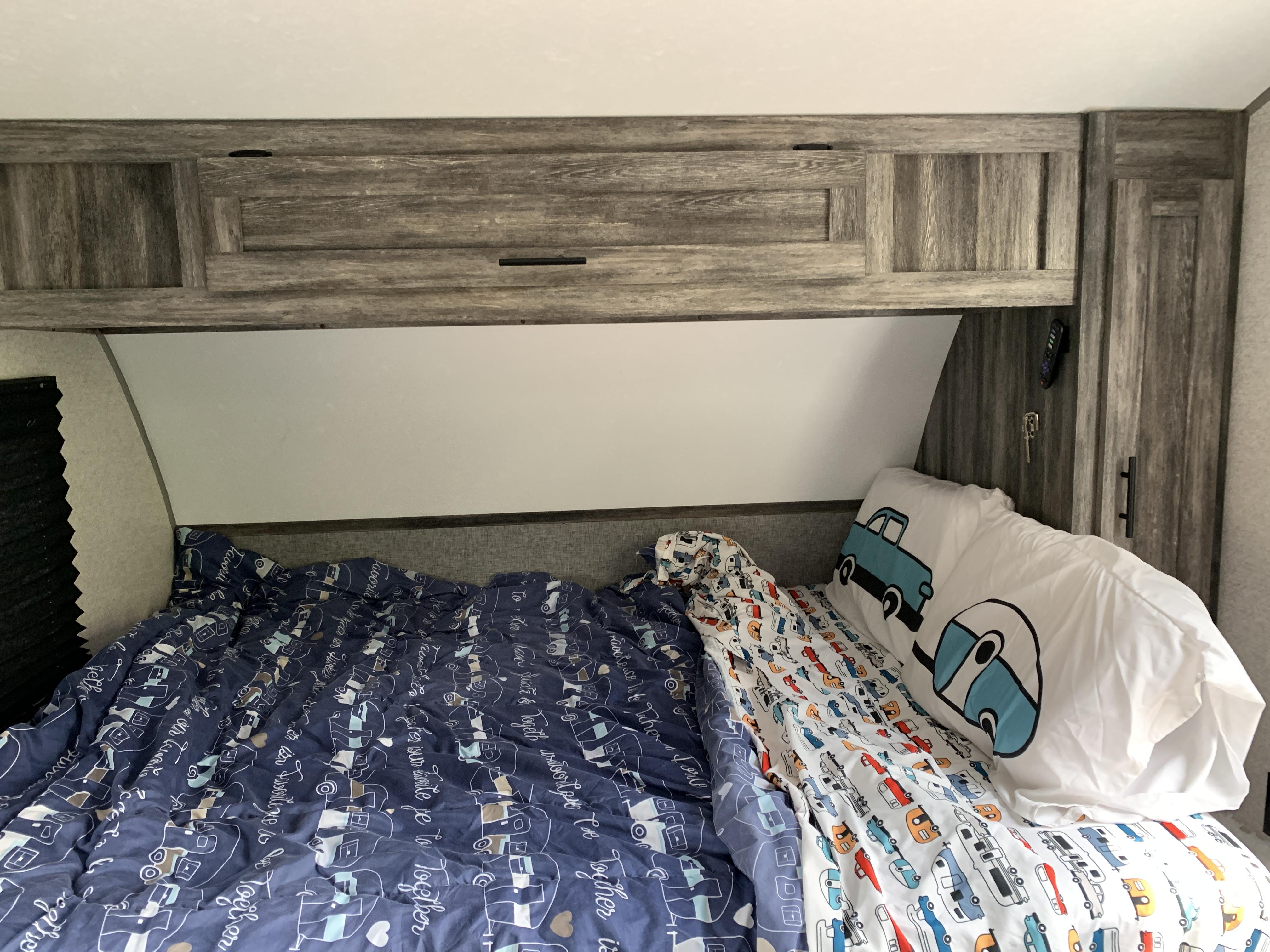 Queen Murphy Bed. Forest River Wildwood 2021