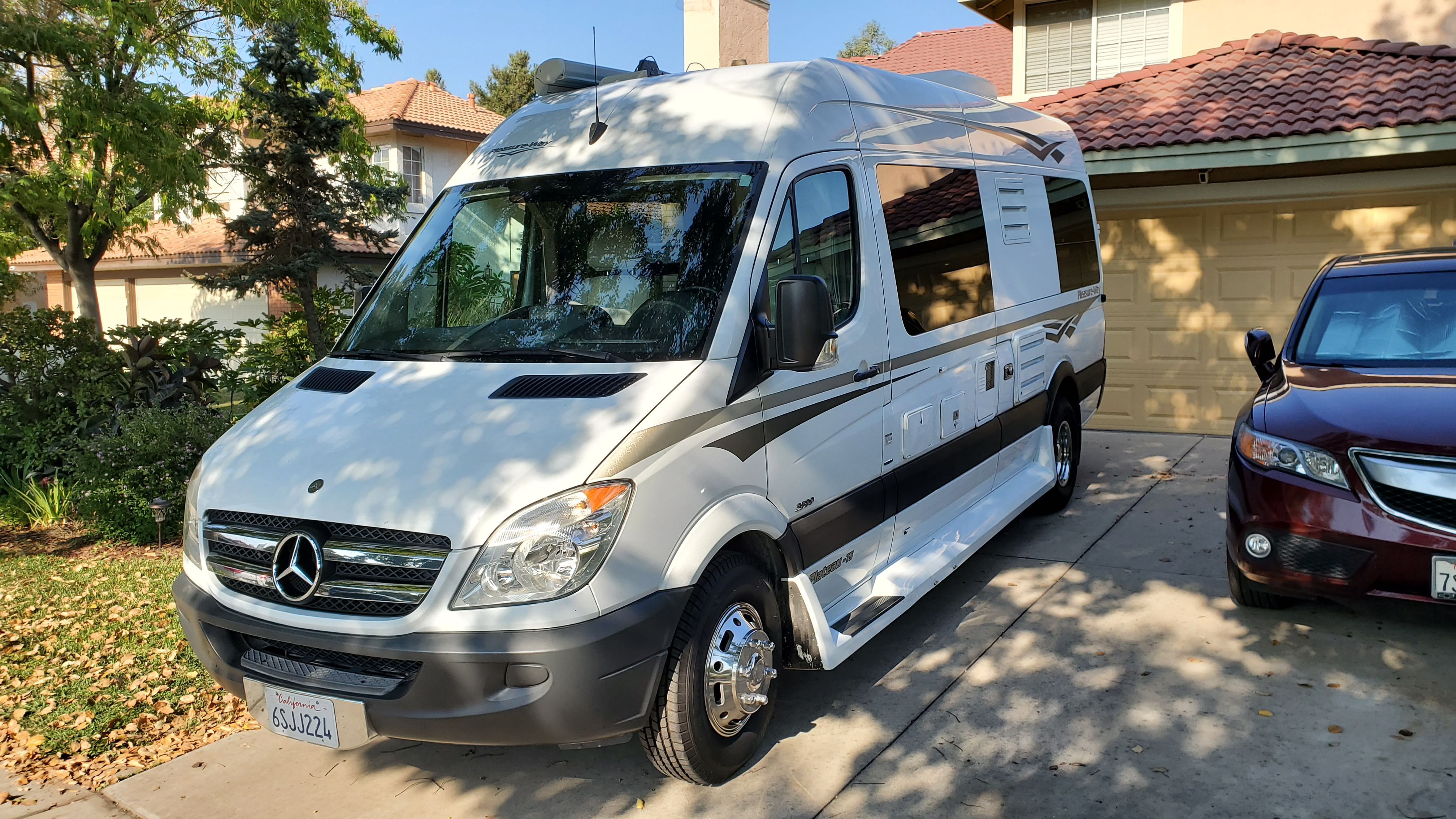 Very maneuverable. Drives and parks like a van.. Pleasure Way Plateau TS 2012