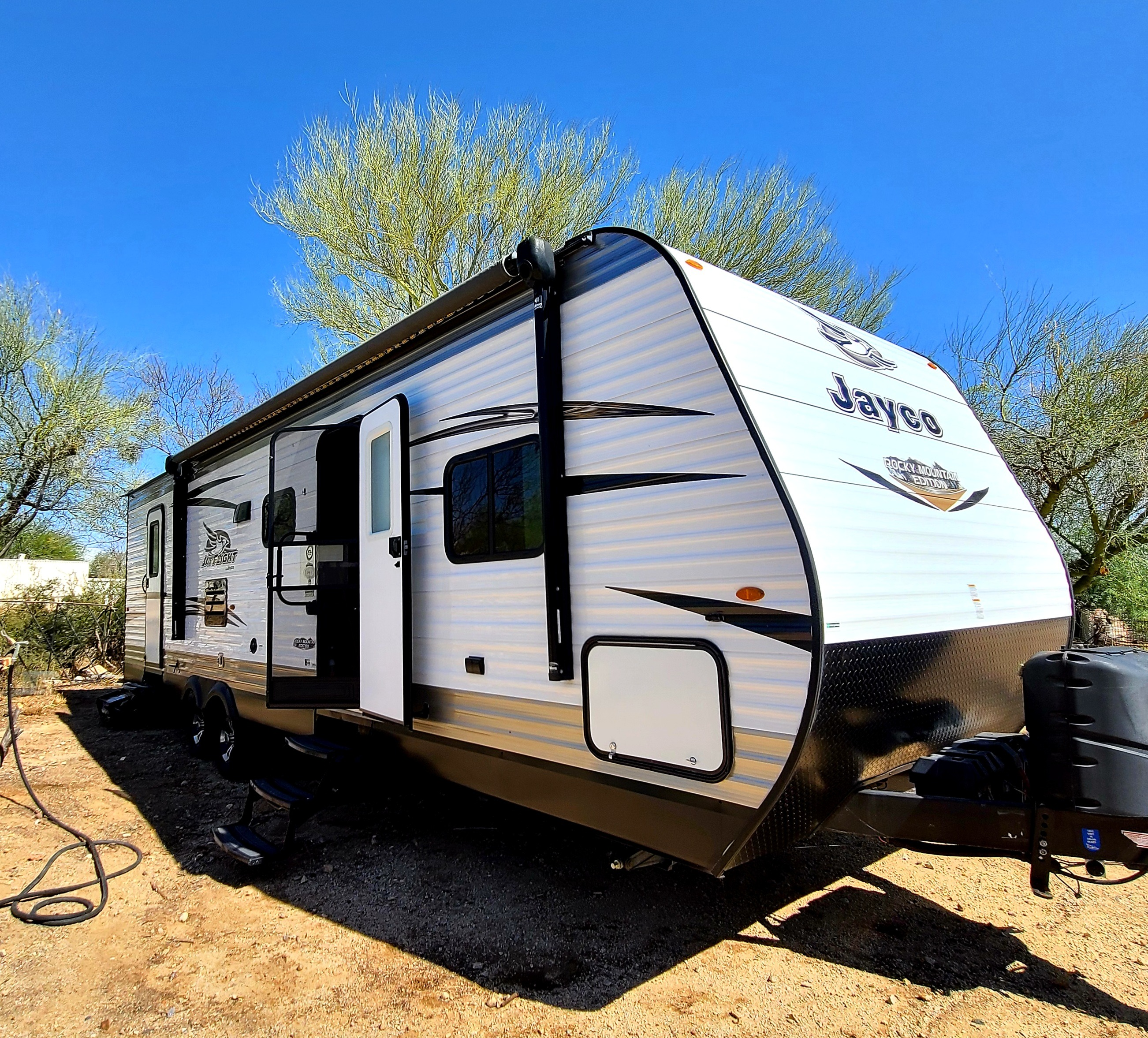Plenty of storage in the front and back area.. Jayco Jay Flight 2018