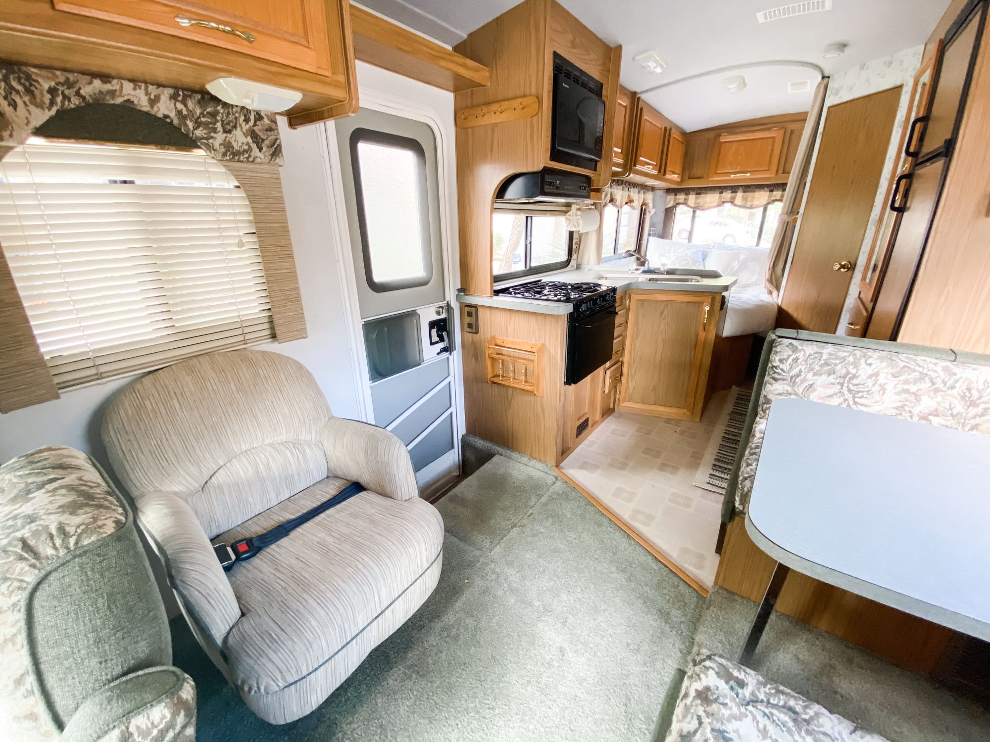 This motorhome is clean, well-maintained, and fully-equipped for your next adventure.. Fleetwood Jamboree 1999