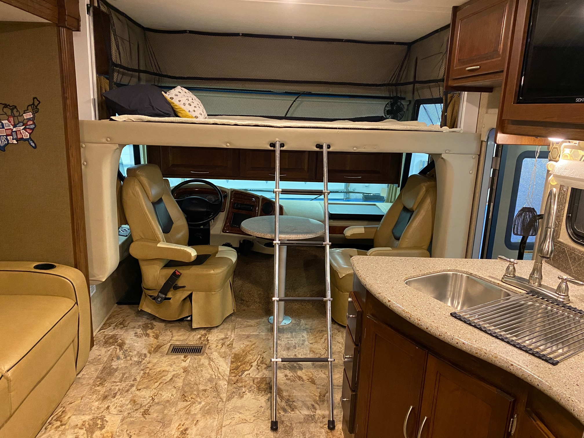 bunk above cab. Coachmen Mirada A-Class 2016
