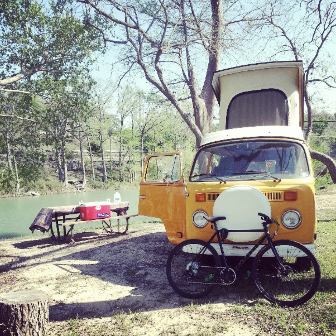 Perfect for a quick bike trip in San Marcos.. Volkswagen Westfalia 1976