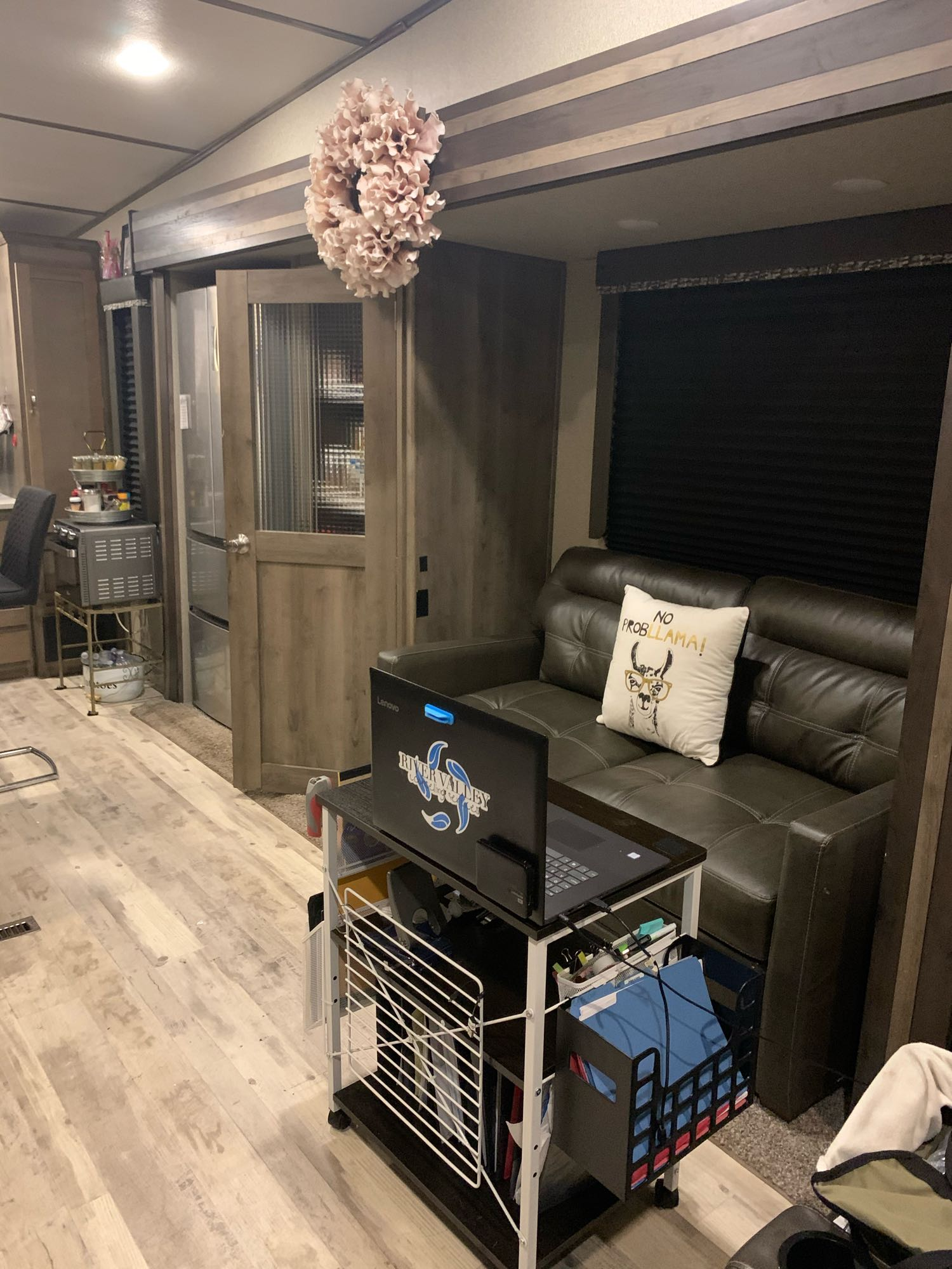 Loveseat has pull out bed. Keystone Sprinter 3550/51FWS 2019