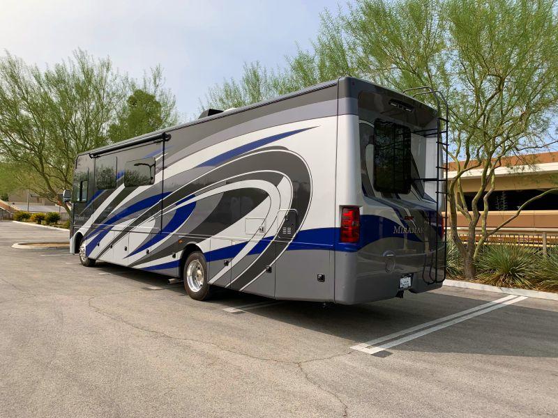 Rear view. Thor Motor Coach Miramar 35.2 2020