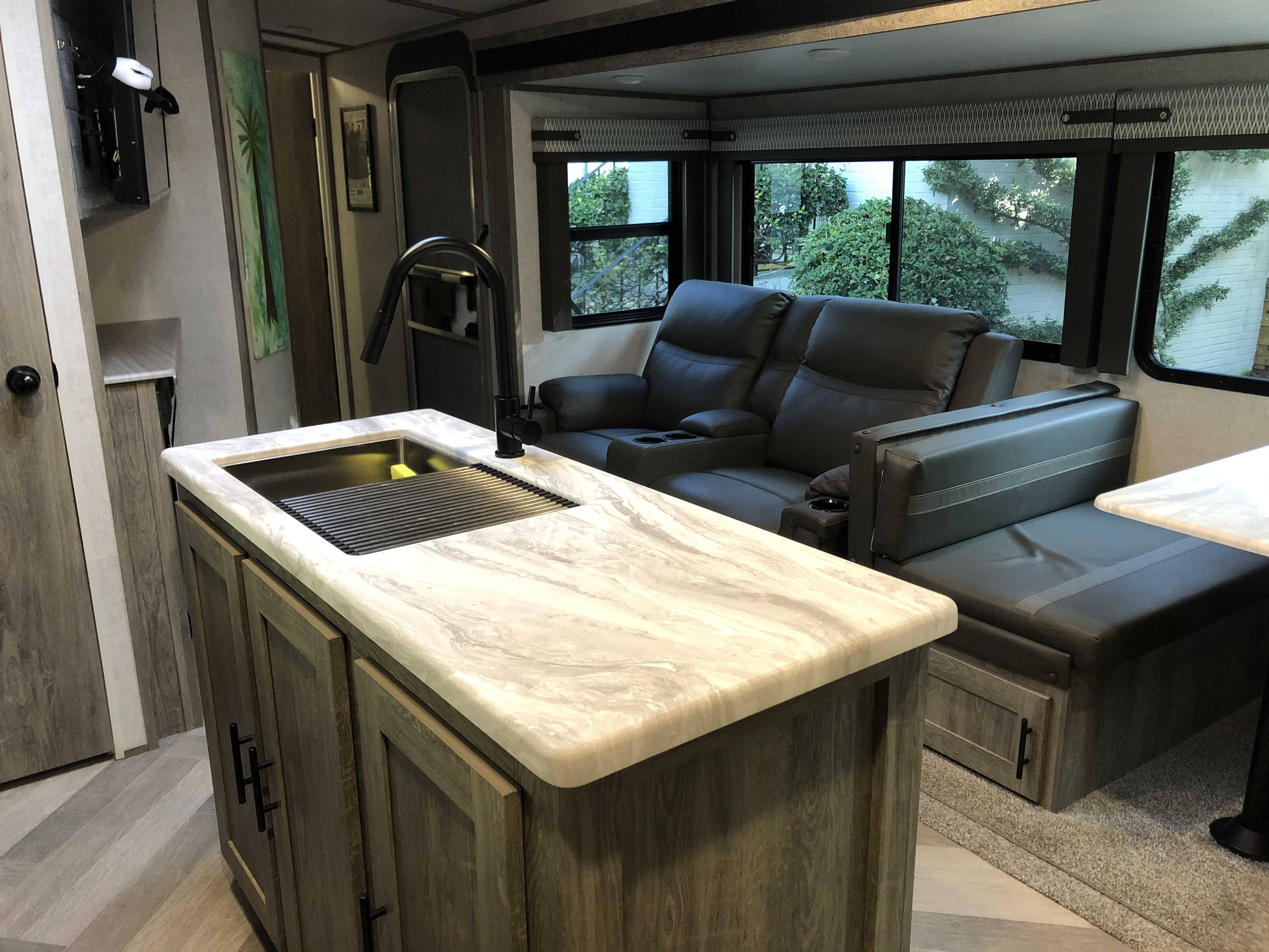Recliners and dinette. Forest River Heritage Glen 2021