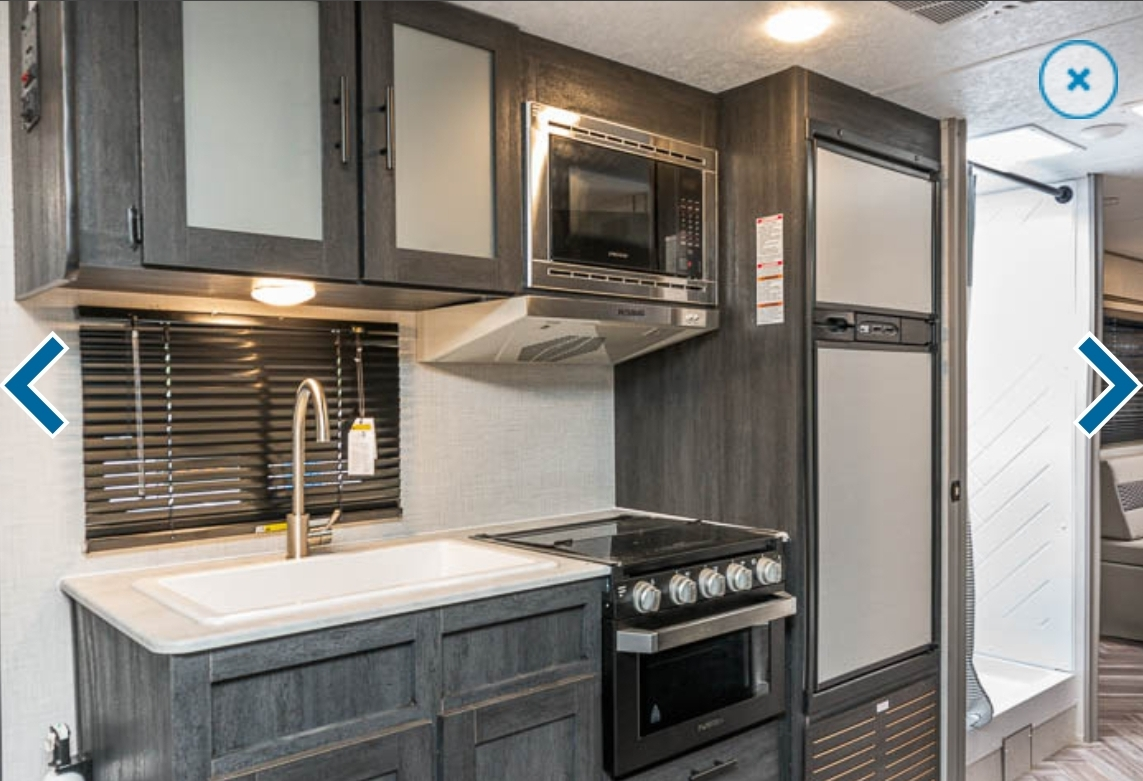 Kitchen/ microwave/ stove/ oven/ refrigerator/freezer/ sink. Forest River Other 2021