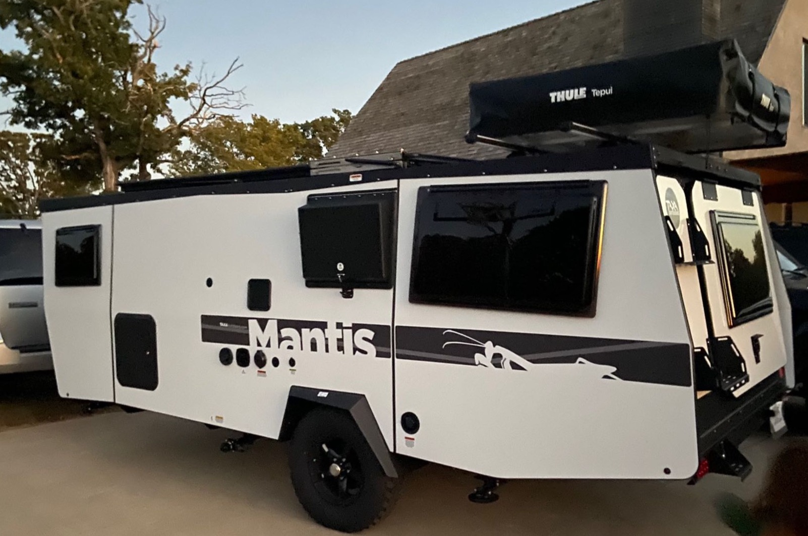 Easy access to solar and traditional power, water supply, and waste. As an added feature we have a Thule Tepui 3 man rooftop tent.. TAXA Outdoors Mantis Camper 2021