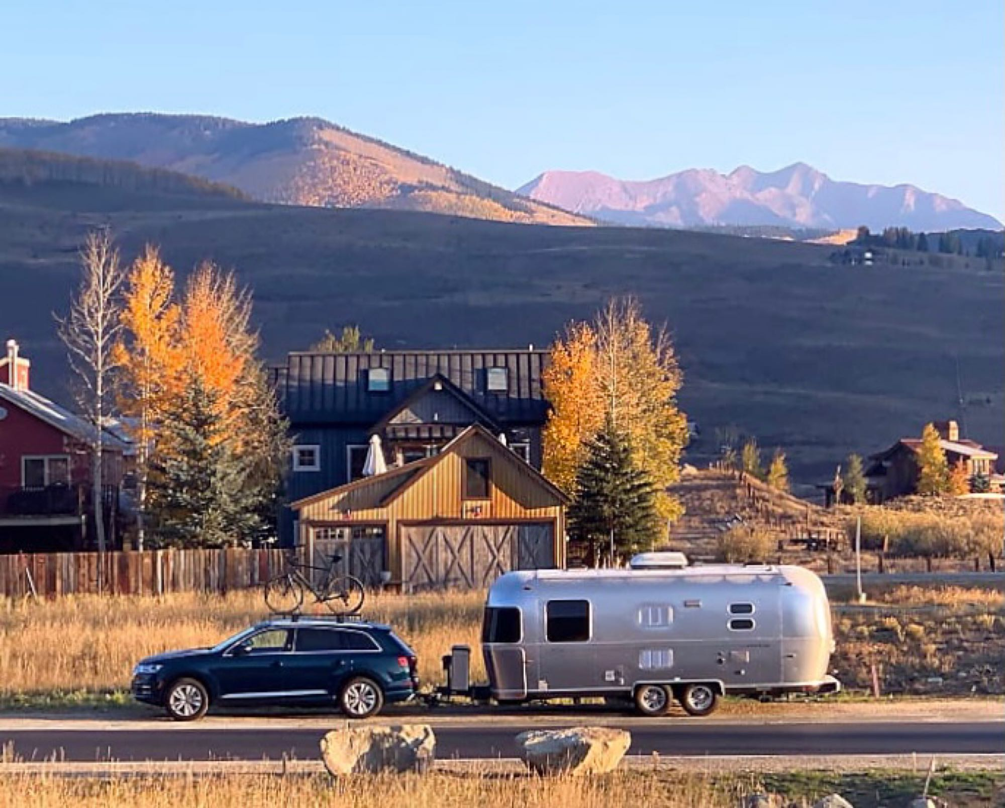 On the road. Airstream FlyingCloud 2013