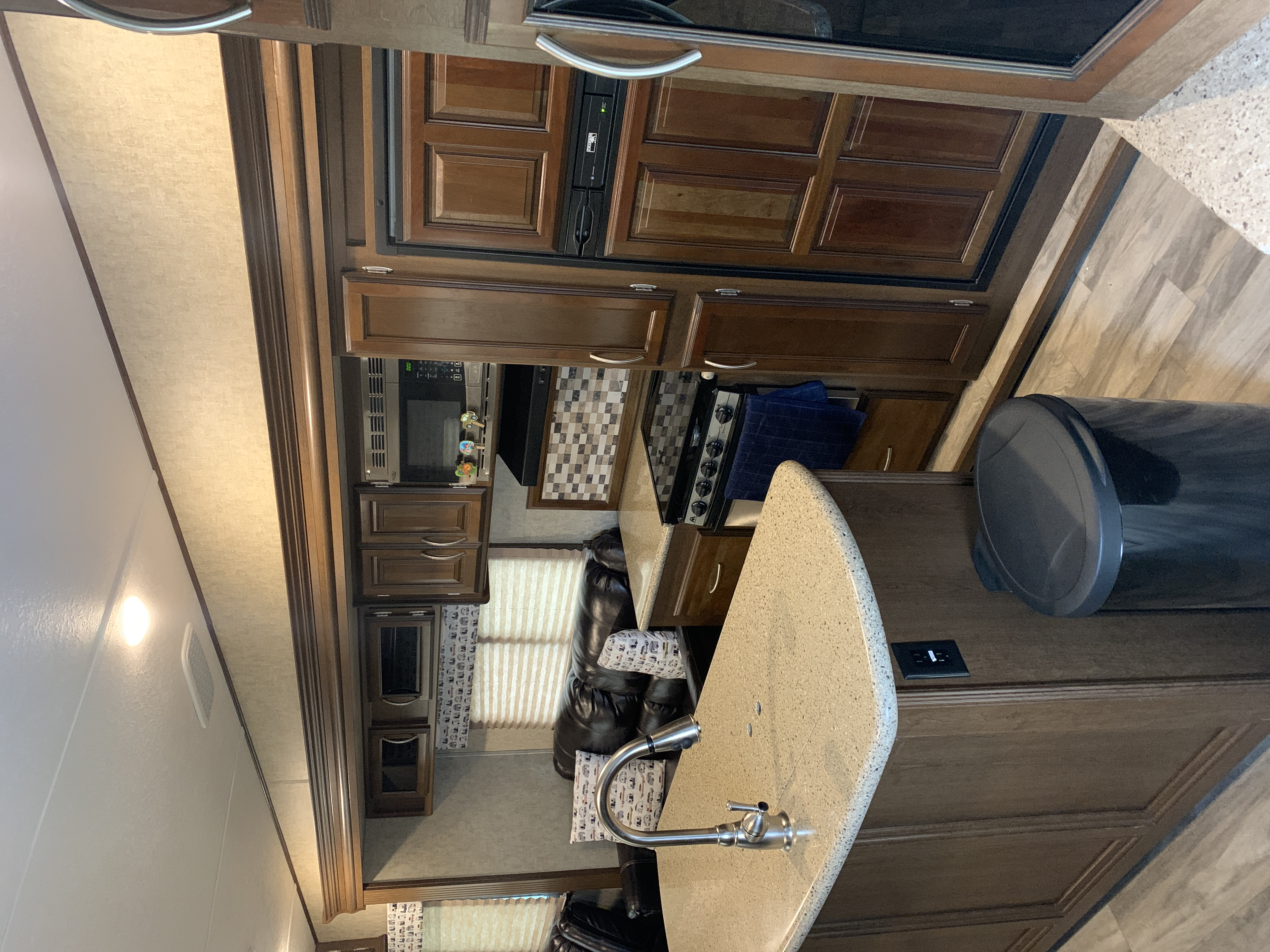 beautiful fully quipped big kitchen. Prime Time Crusader 2017