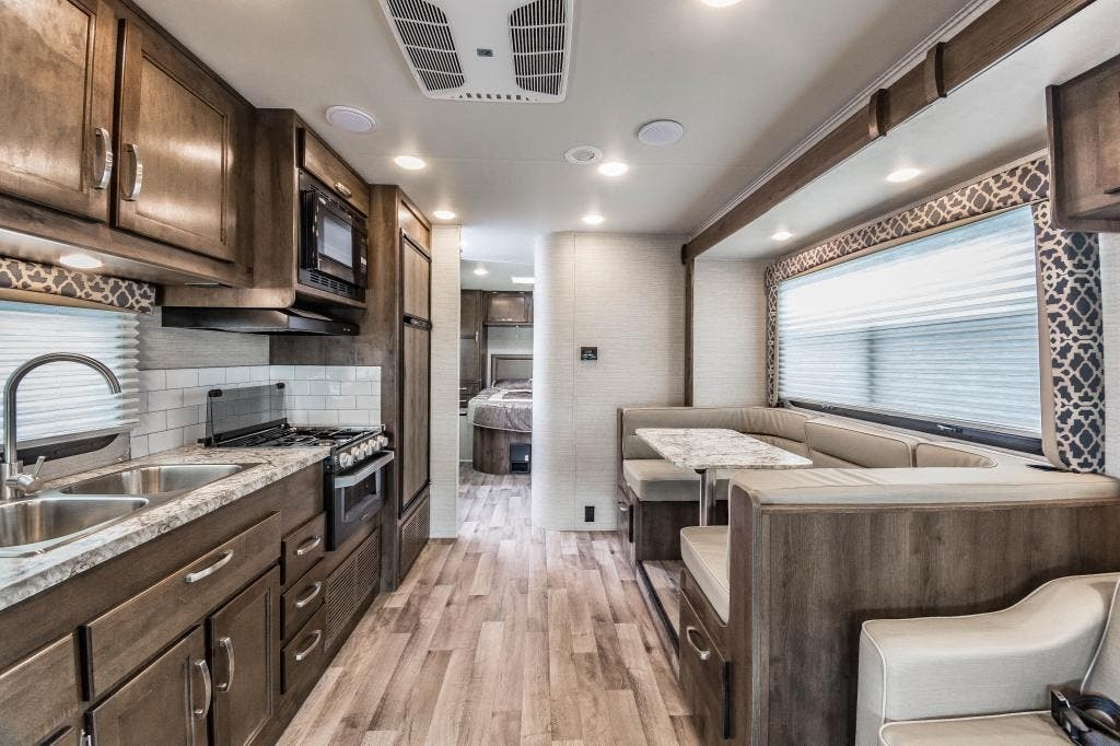 Kitchen and dinning area. Jayco Redhawk 2021