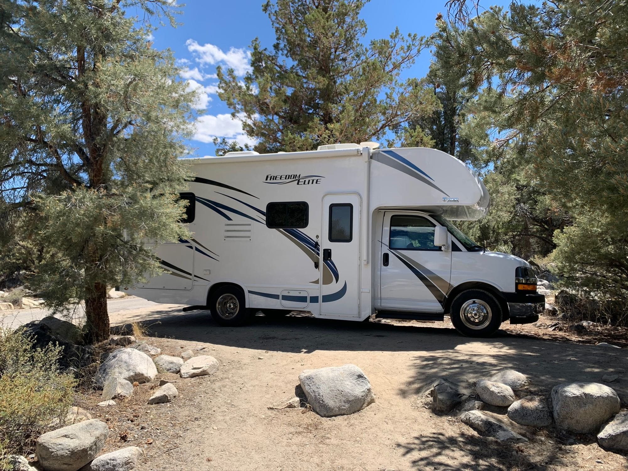 Compact size ideal for visiting state parks.. Thor Motor Coach Freedom Elite 2019