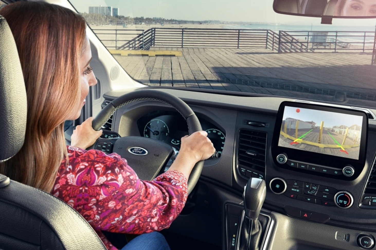 With backup camera, lane control AI, steering wheel advance functions like volume, Apple-play, speed control, GPS, surface drove mode settings.. Ford Transit Custom 2020