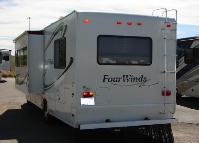 Thor Motor Coach Four Winds 2003