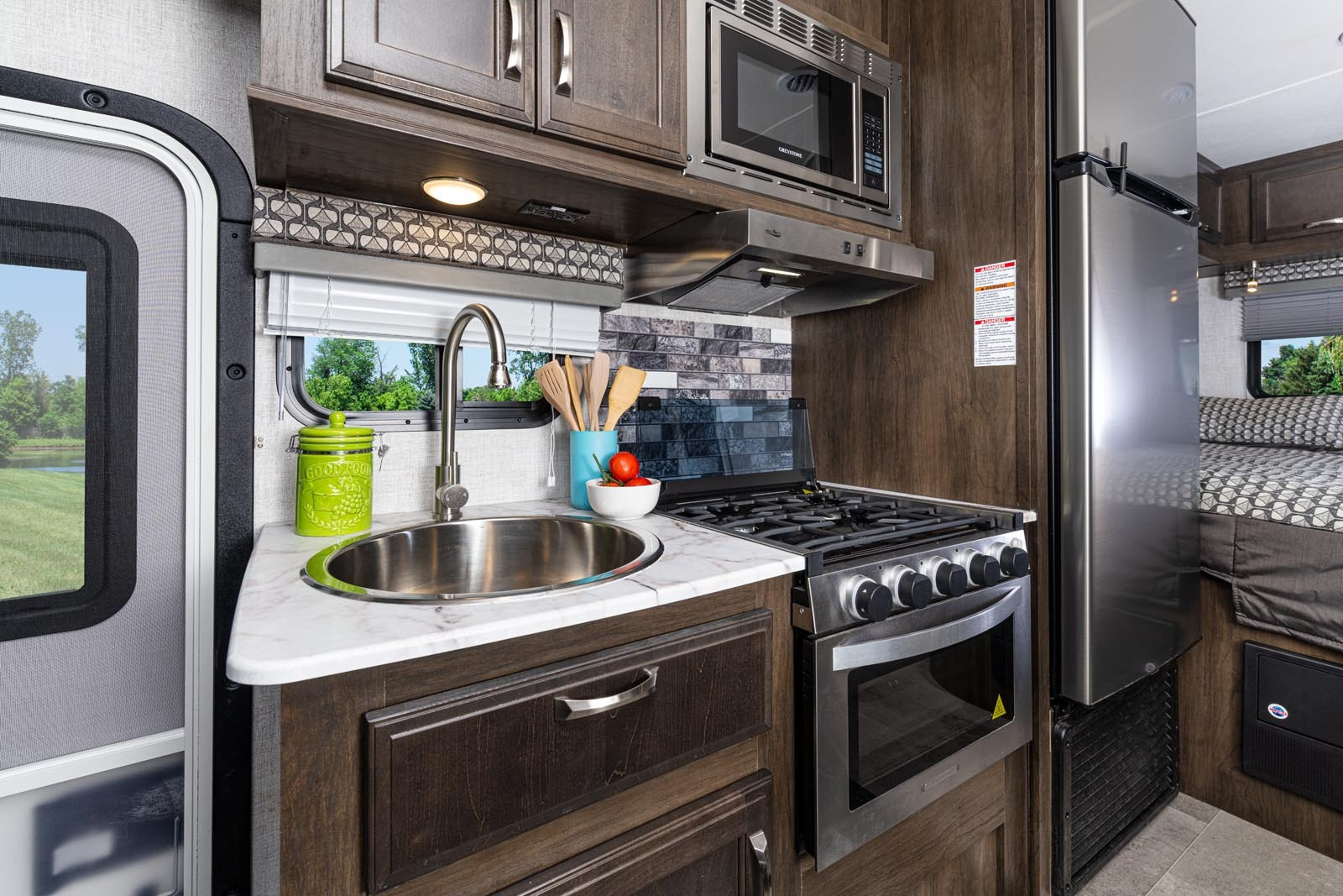 Easy access kitchen.. Gulf Stream Conquest 2021
