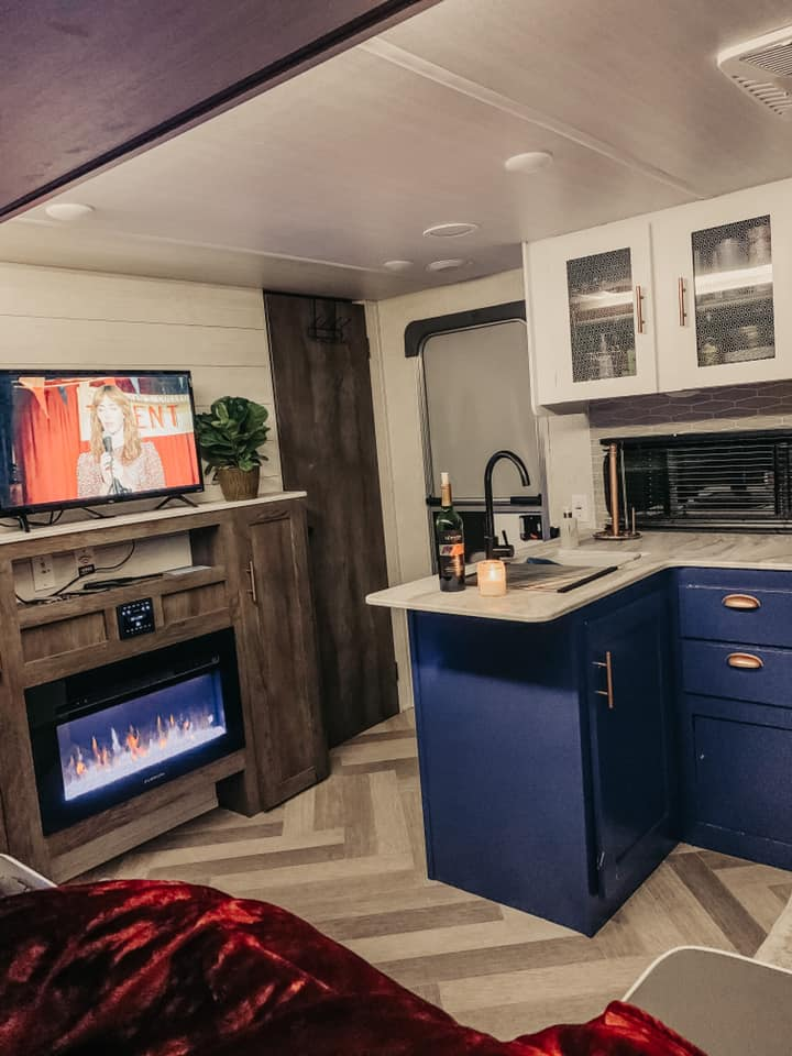 The kitchen has everything you need to cook a full meal except for the actual food. . Forest River Salem Cruise Lite 2021