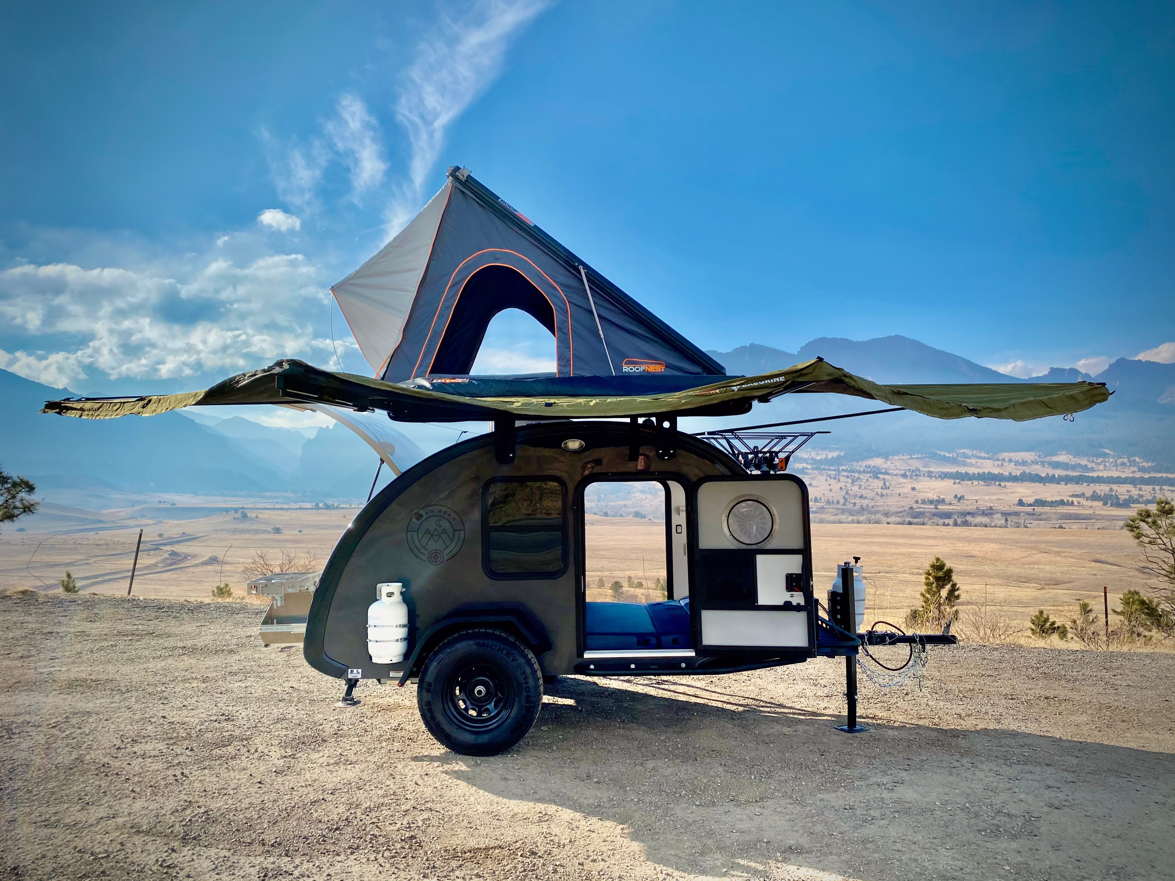Our Mean Bean Teardrop Trailer (we call him Mobi) has it all.  Sleeping for 5, a comfy cabin, rooftop tent, lots of shade and a large galley kitchen.. Bean Teardrop Trailer Mean Bean 2021
